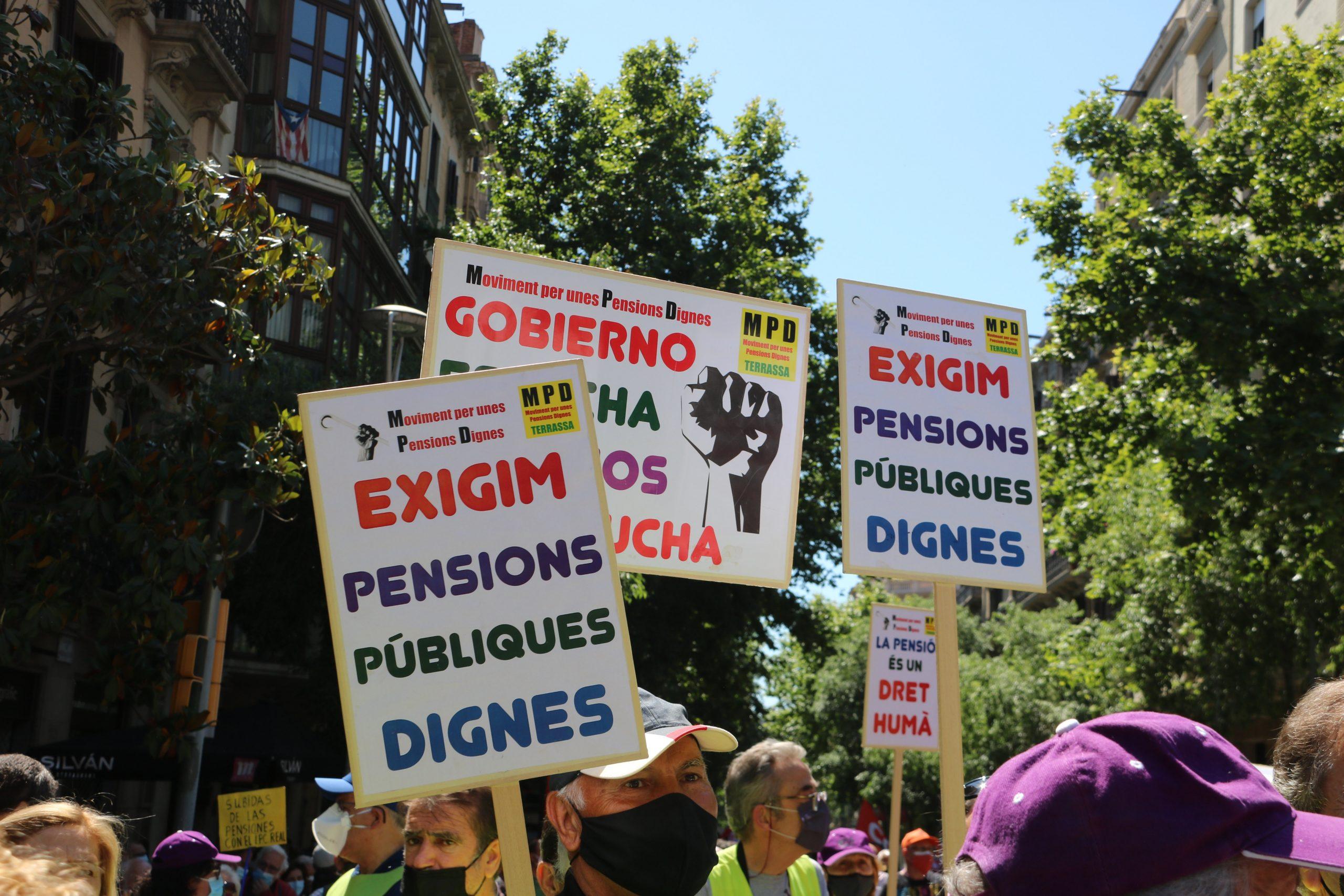 Cartells a favor de les pensions dignes / ACN