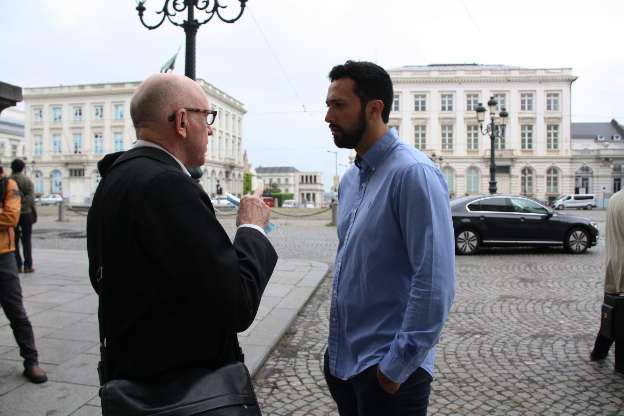 Valtònyc i el seu advocat, Paul Bekaert, abans d'entrar a la vista judicial / ACN