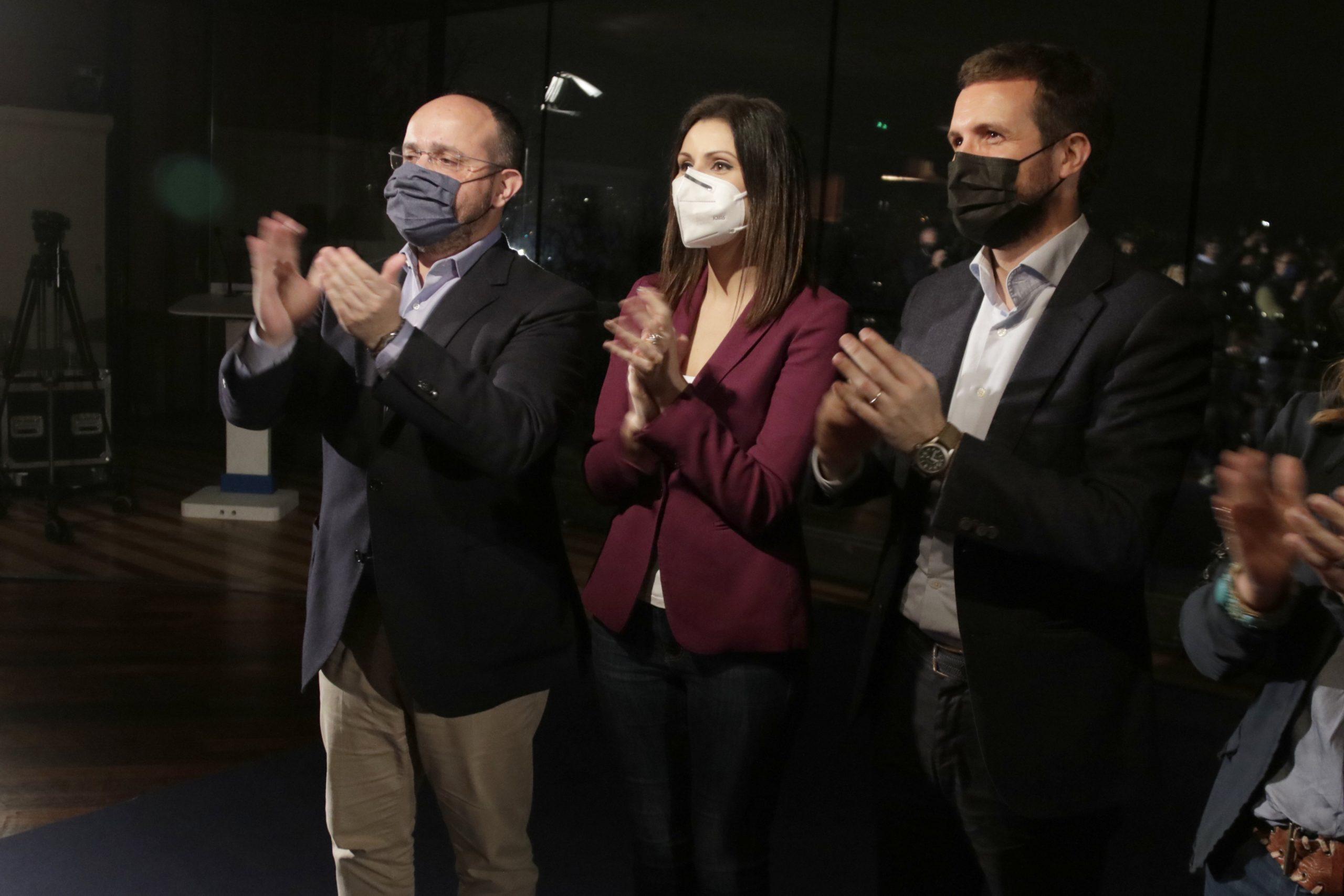 Pablo Casado, Alejandro Fernández i Lorena Roldán   ACN