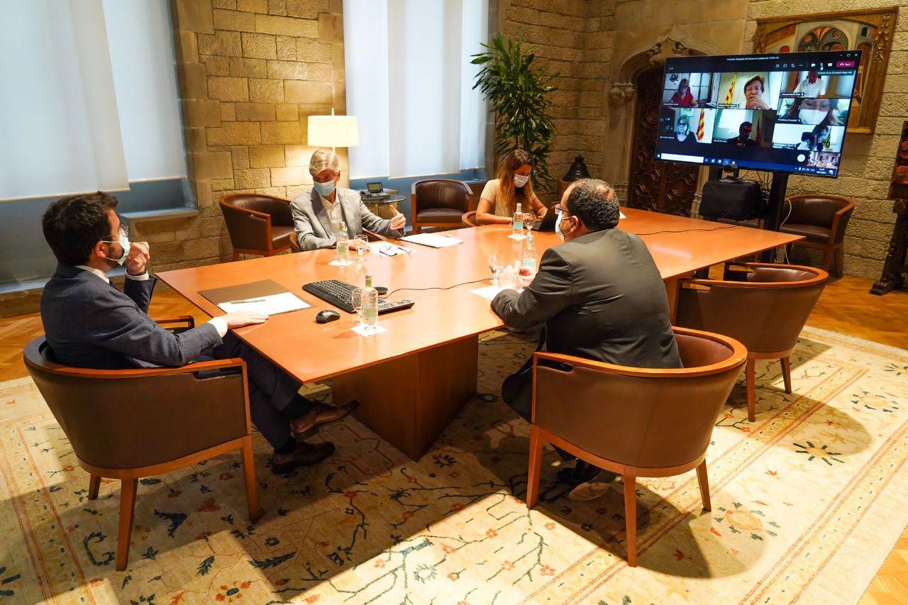 Aragonès i els consellers reunits / Govern