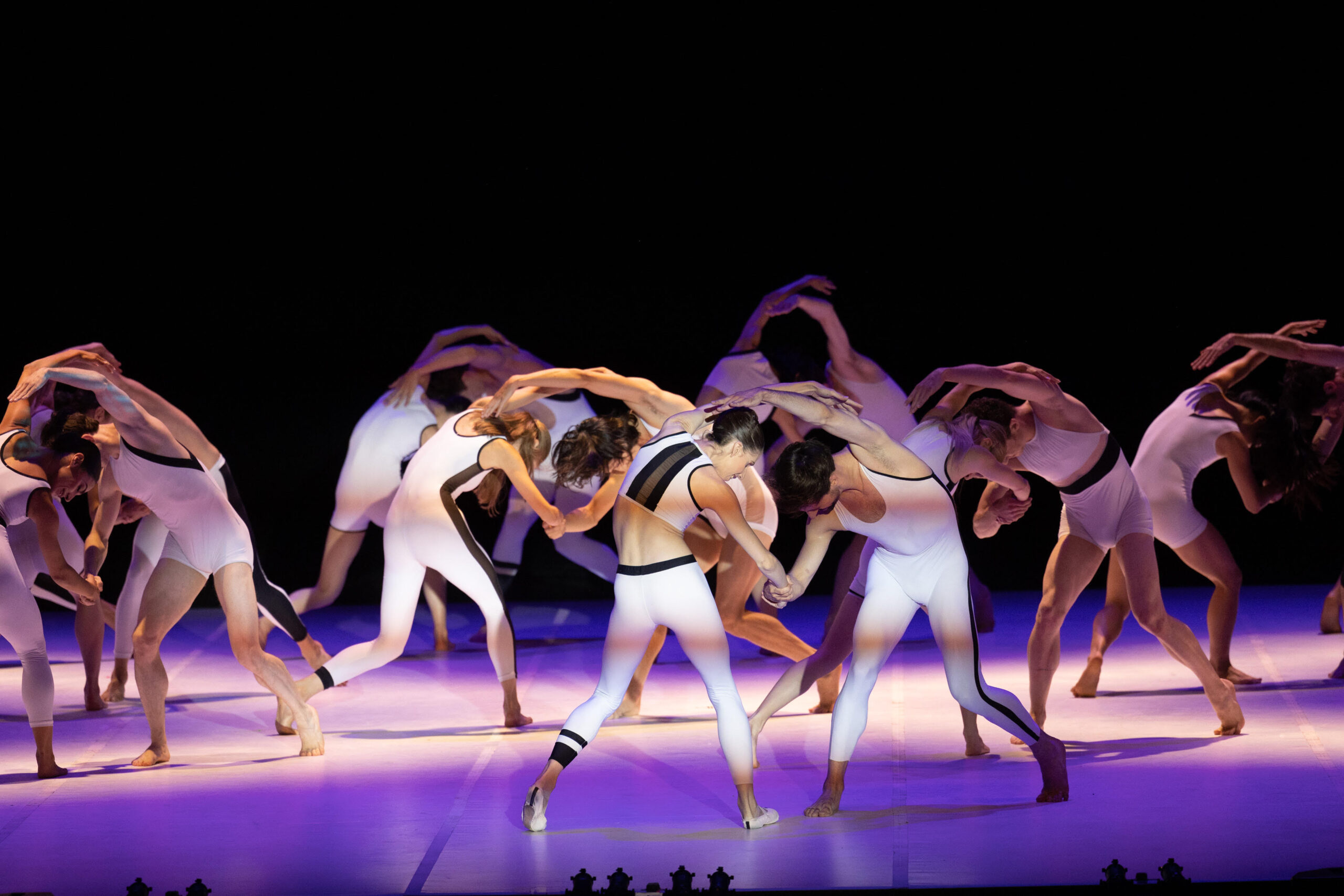 Ballarins de la companyia Béjart Ballet Lausanne actuen al Festival de Peralada en l'acte inaugural de la mostra. Peralada (Alt Empordà), 17 de juliol del 2021 / ACN