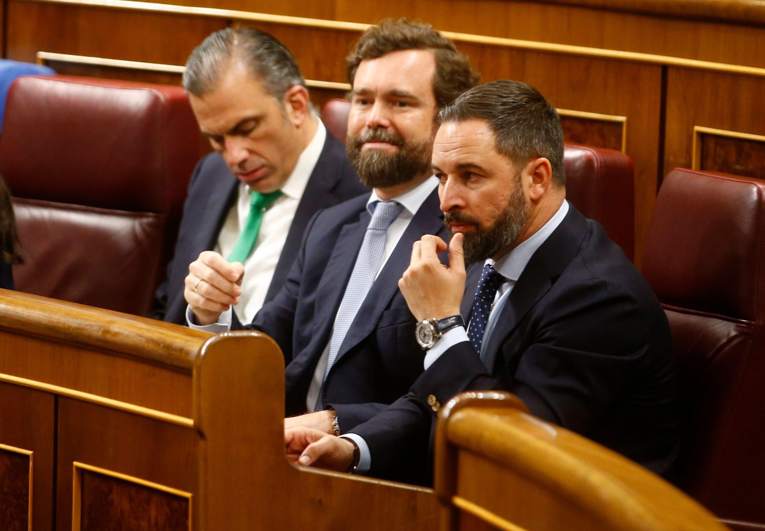 Els diputats de Vox Santiago Abascal, Iván Espinosa de los Monteros i Javier Ortega Smith al Congrés espanyol