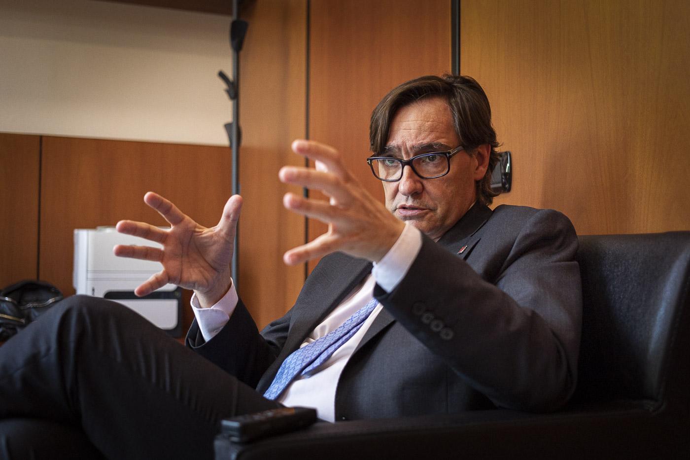 Salvador Illa, president del grup parlamentari del PSC i cap de l'oposició, durant l'entrevista amb El Món / Jordi Borràs