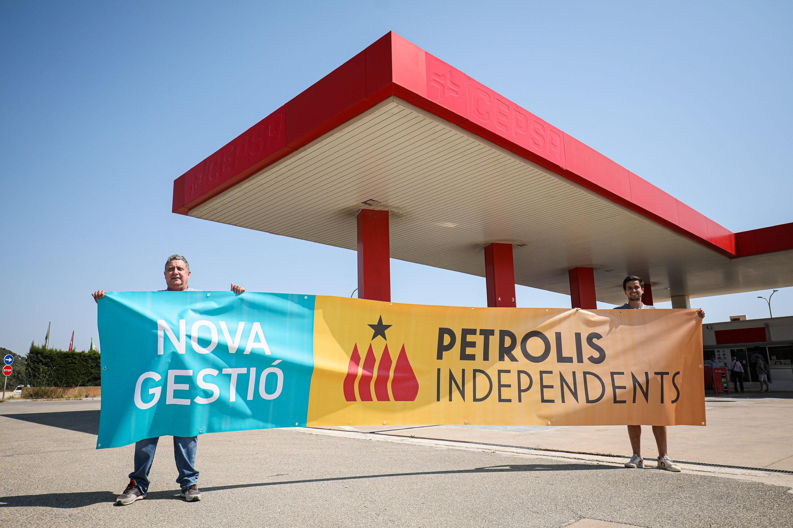 Petrolis Independents es fa amb la possessió de la benzinera de Mont-ras / Jordi Borràs