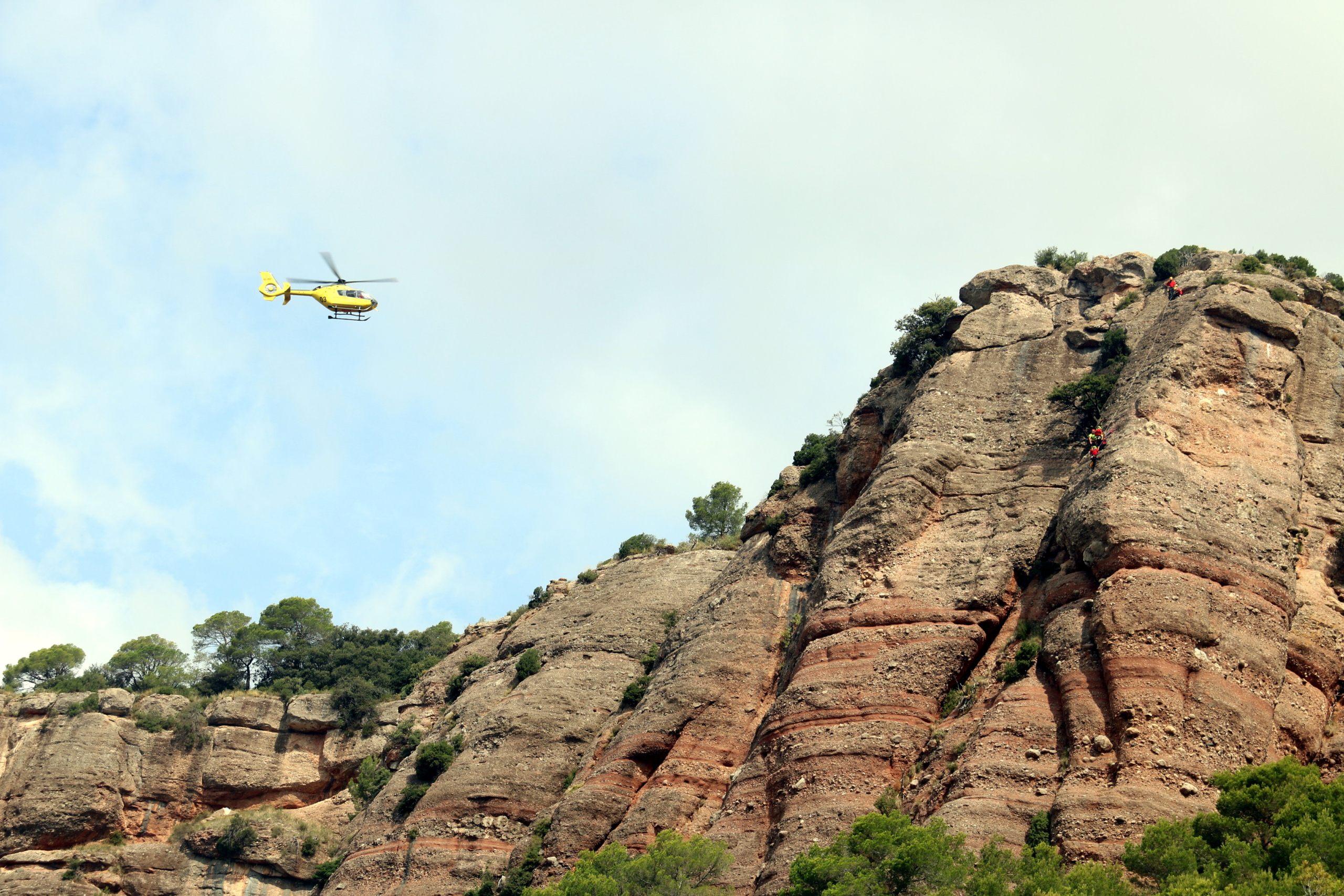 Imatge d'arxiu d'un helicòpter dels Bombers al Turó de les Onze Hores | ACN