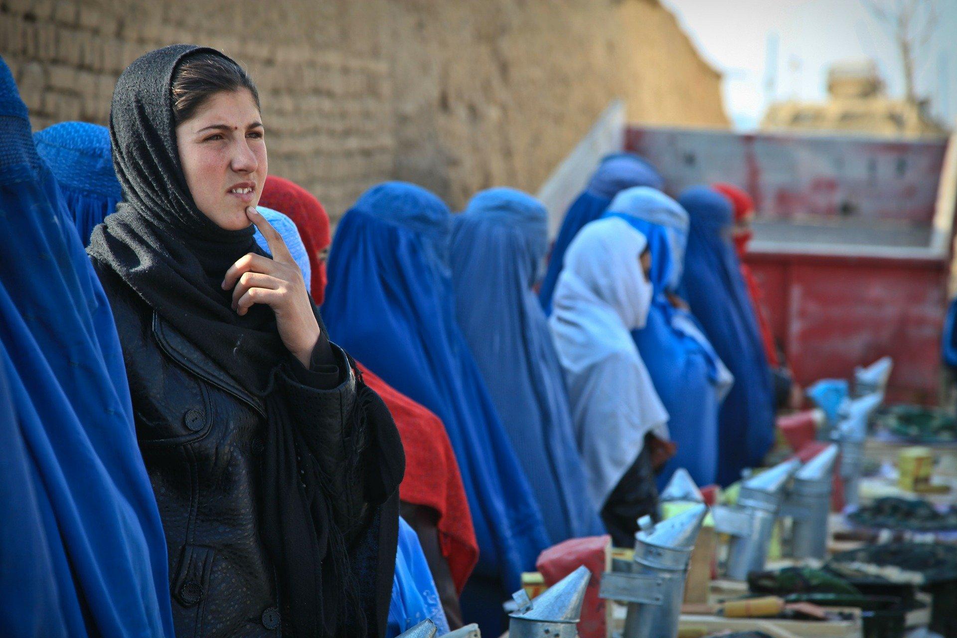 Un grup de dones a l'Afganistan /  ArmyAmber (Pixabay)