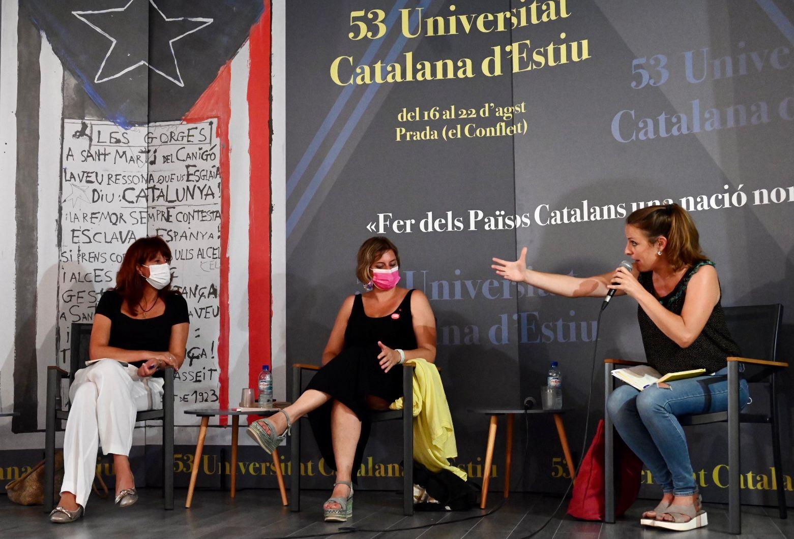 Marta Madrenas, Alba Vergès i Mireia Vehí, al debat de la UCE/Josep Maria Montaner