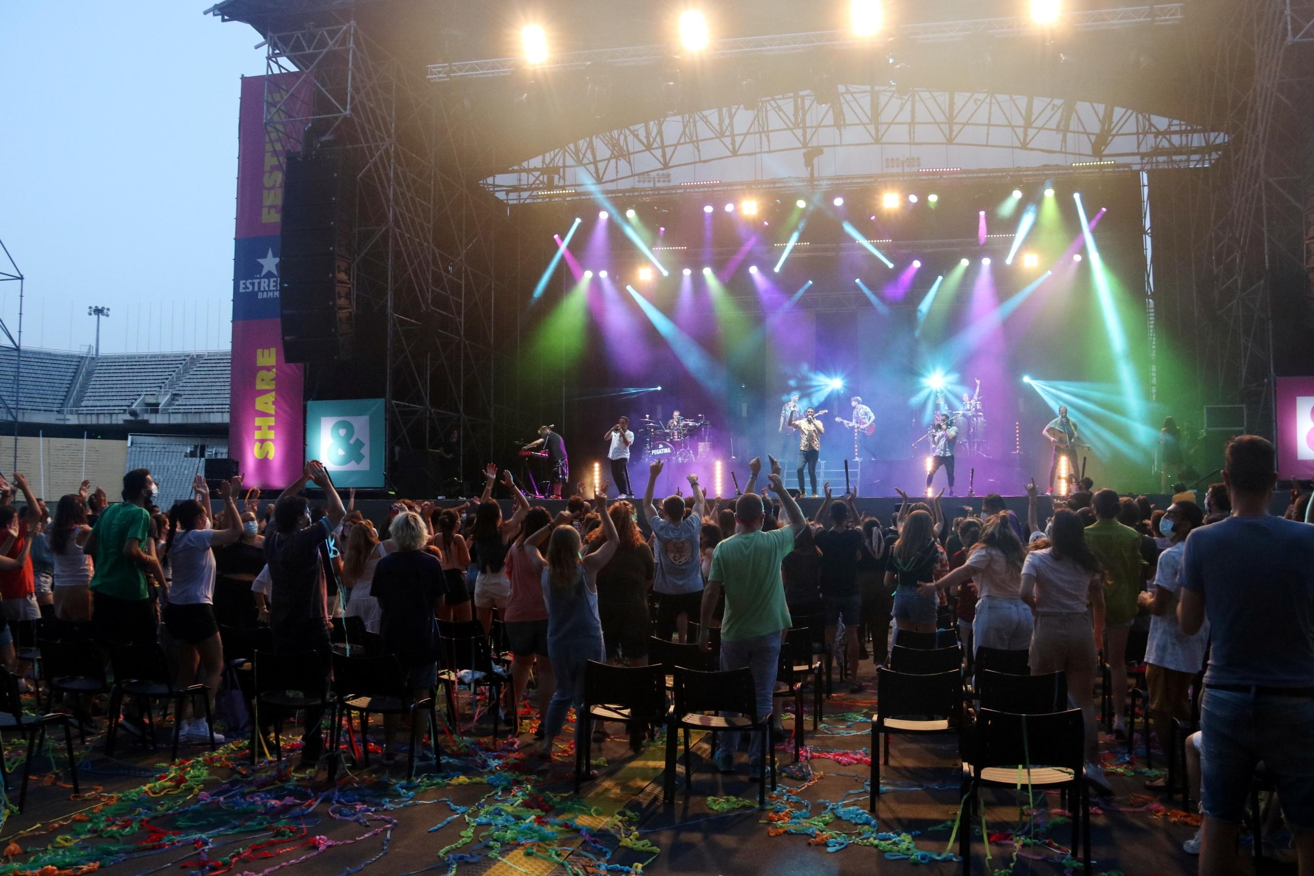 El concert de La Pegatina a l'Estadi Olímpic (ACN)