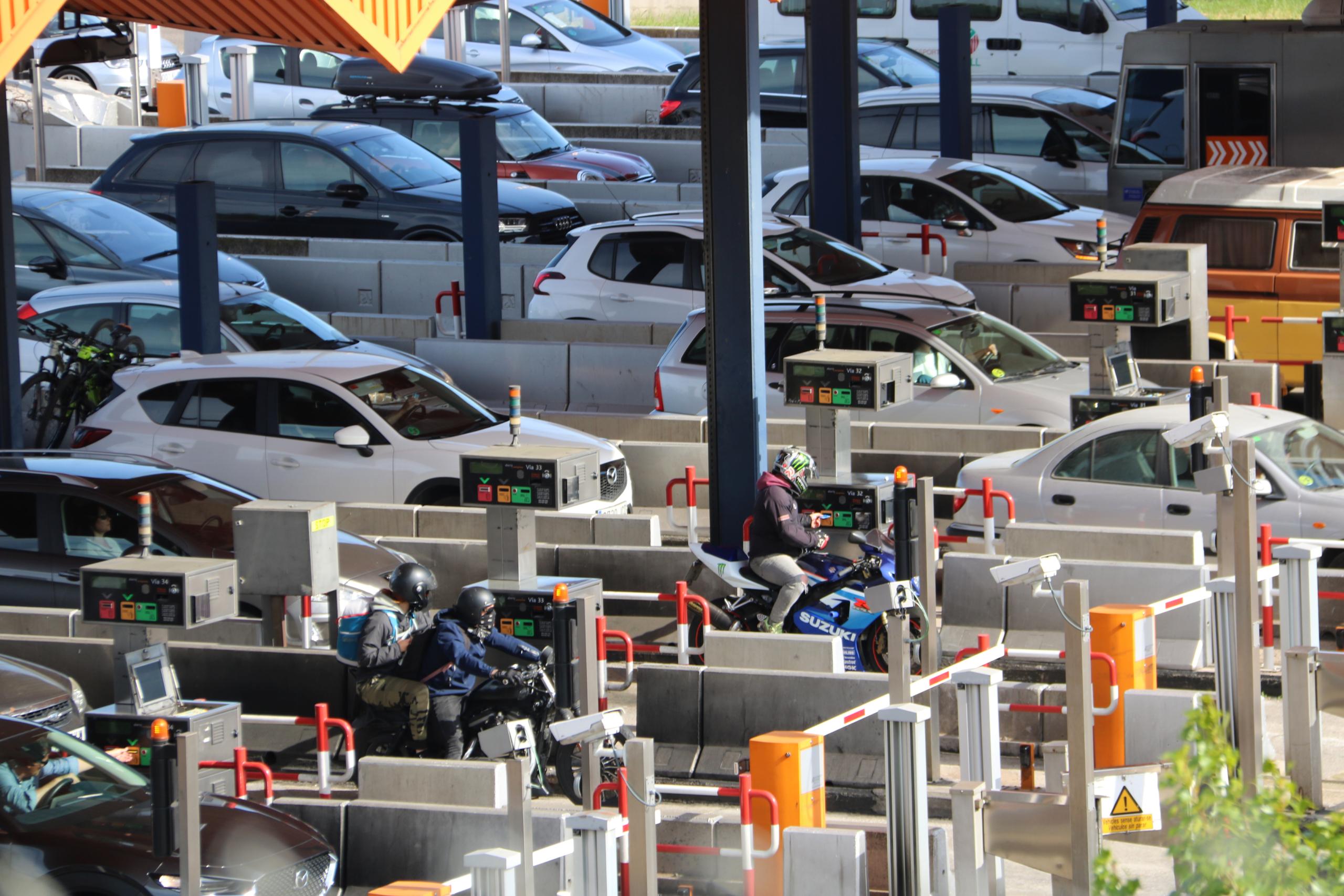 Diversos vehicles en un peatge / ACN