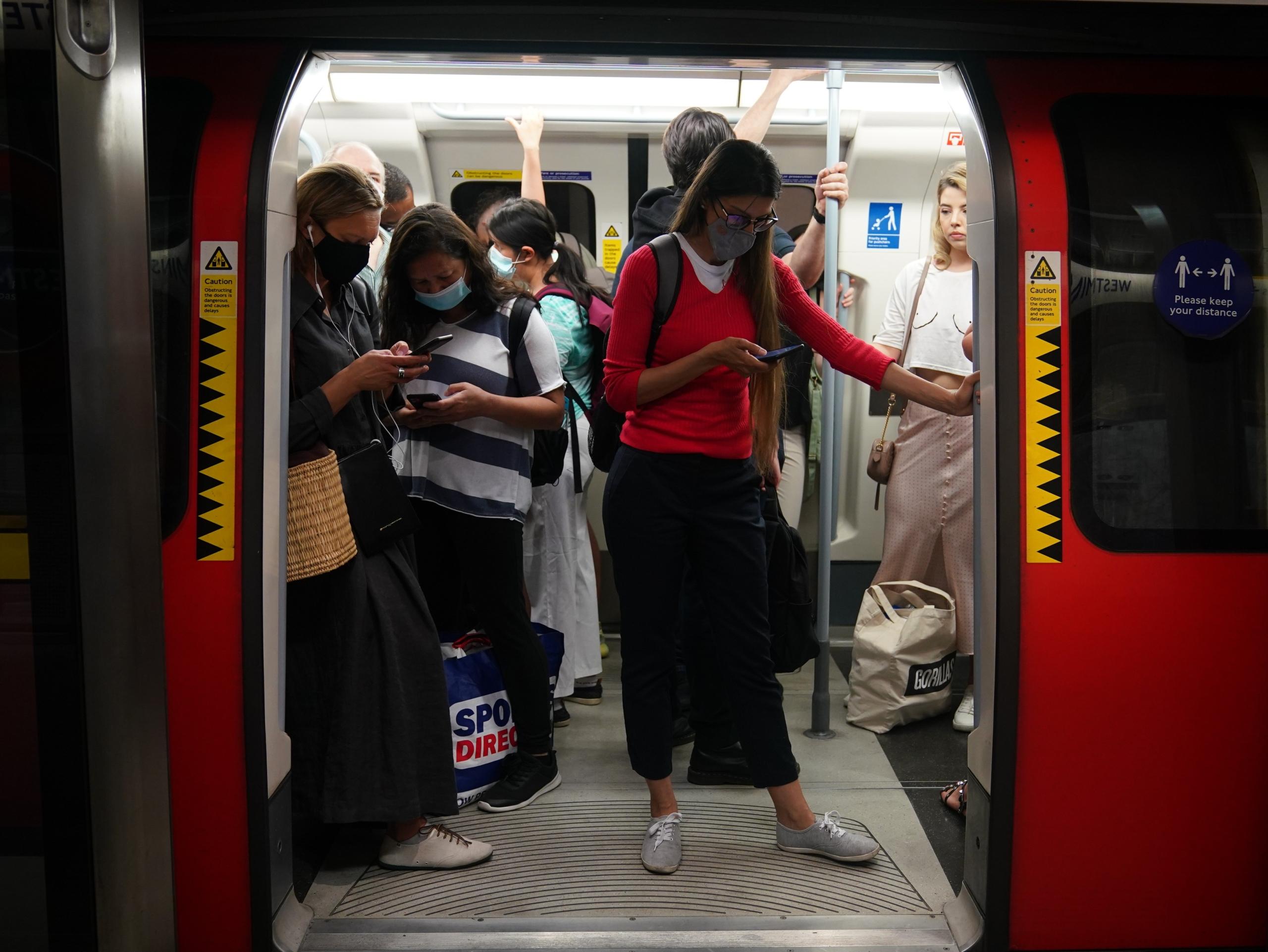 Un vagó de metro a Londres / EP