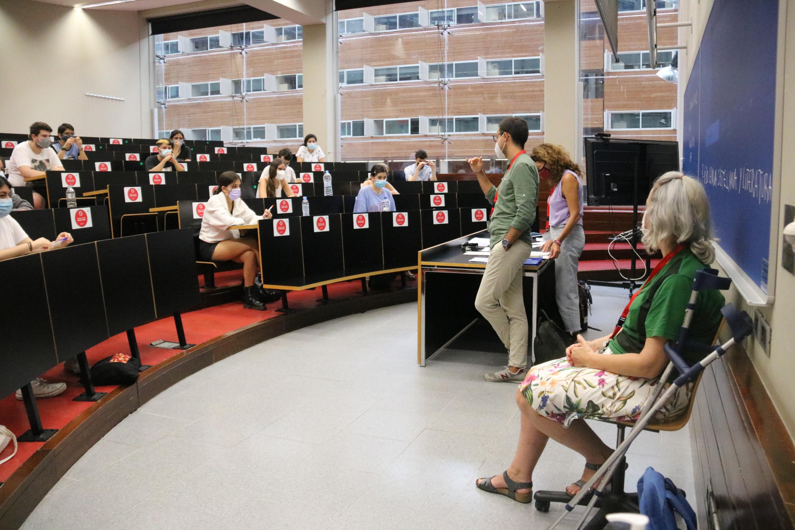Una de les aules del campus de la Ciutadella de la Universitat Pompeu Fabra, on avui han començat les proves de selectivitat en la convocatòria extraordinària del setembre | ACN
