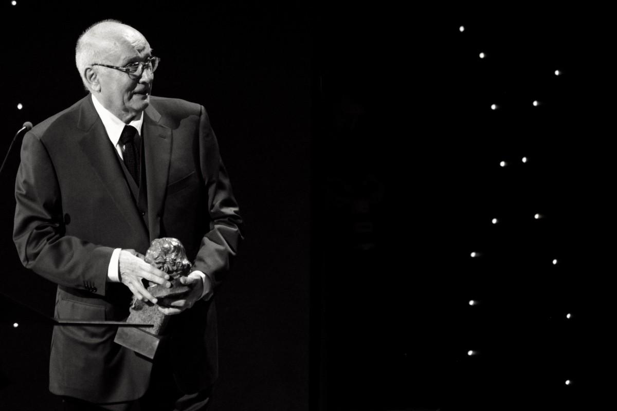 Mario Camus recollint el Goya / Acadèmia del cine