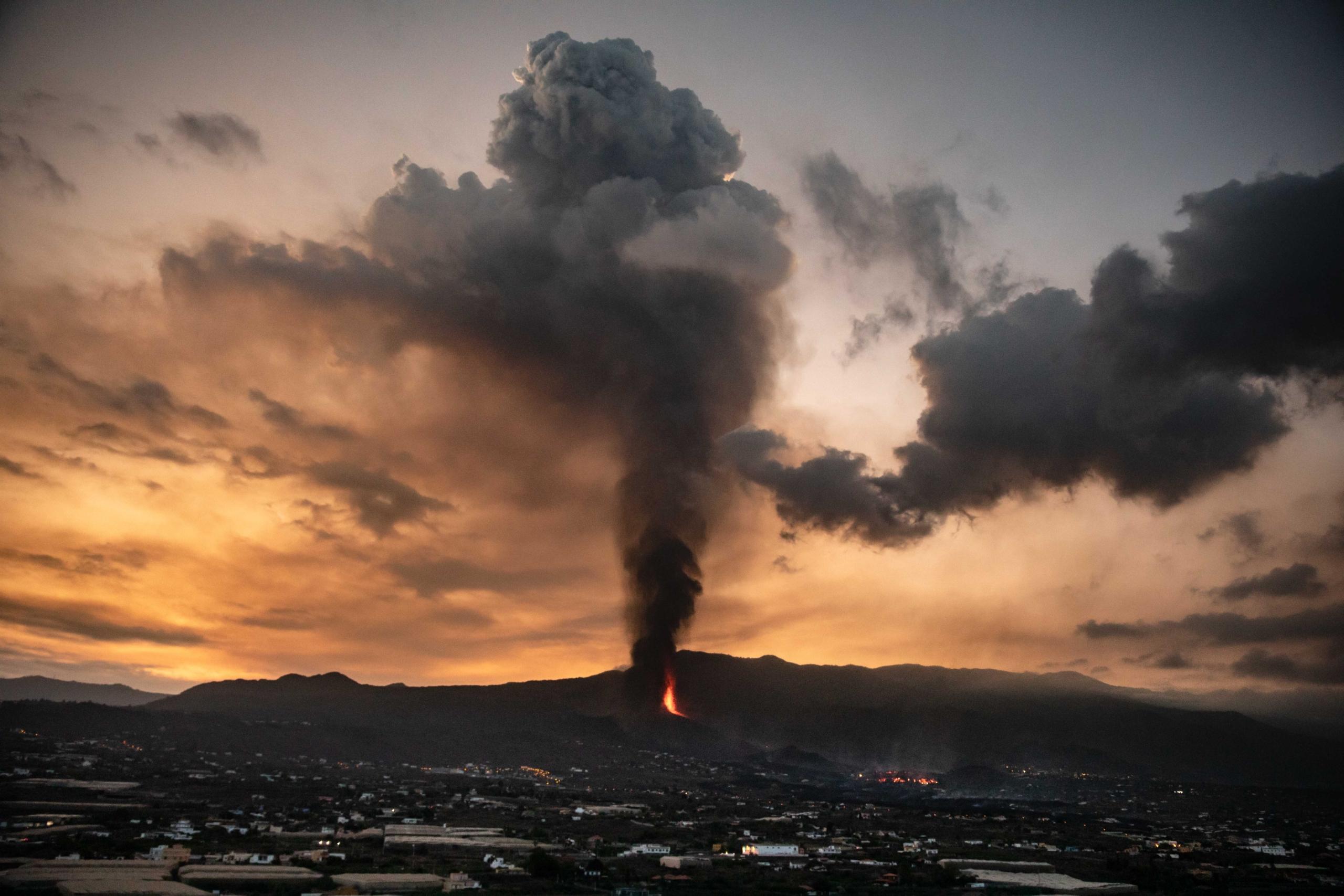 El volcà de 'Cumbre Vieja', a 23 de setembre de 2021, a El Paso, La Palma, Illes Canàries / Europa Press