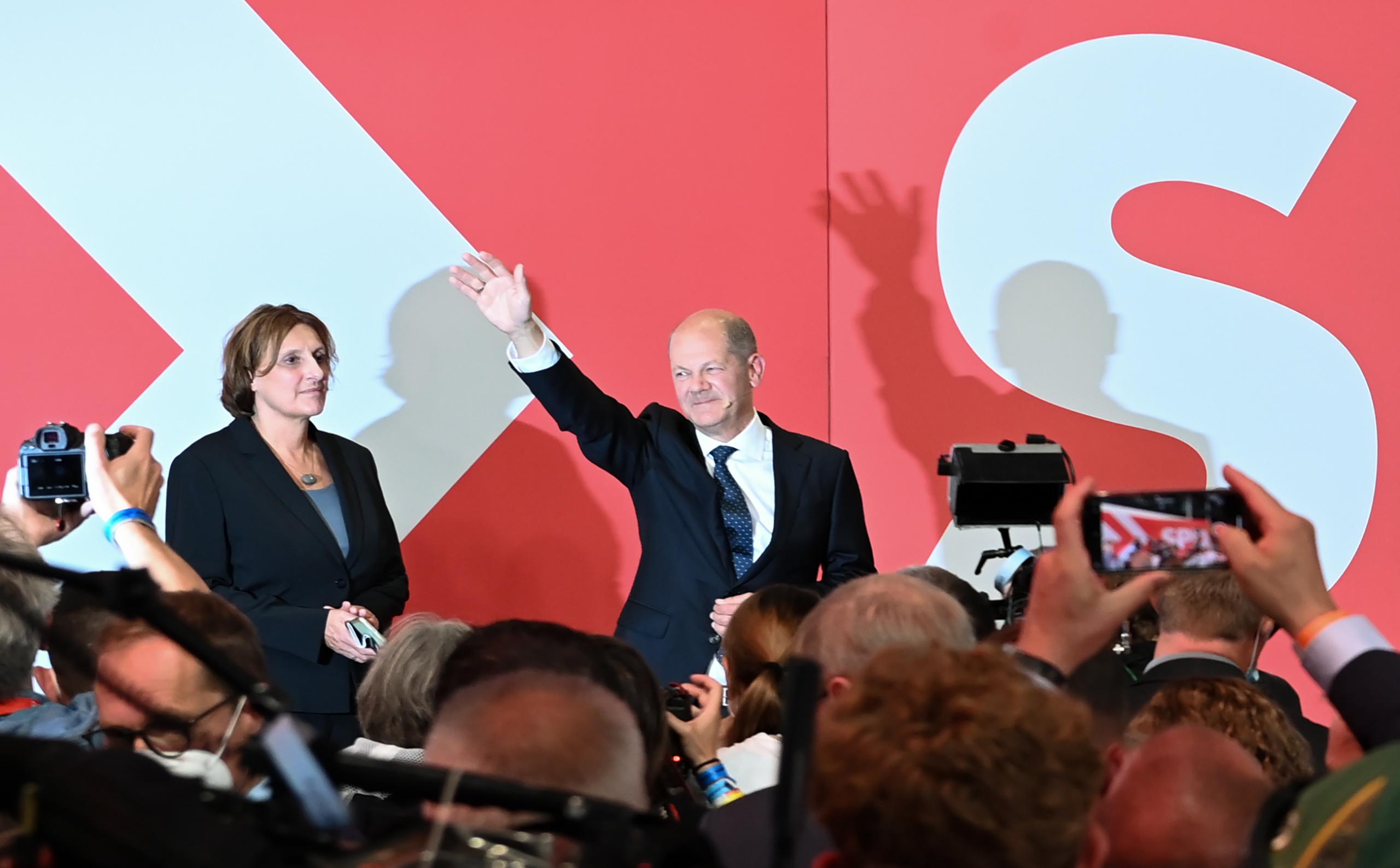 Olaf Scholz celebrant la seva victòria a les eleccions alemanyes   Europa Press