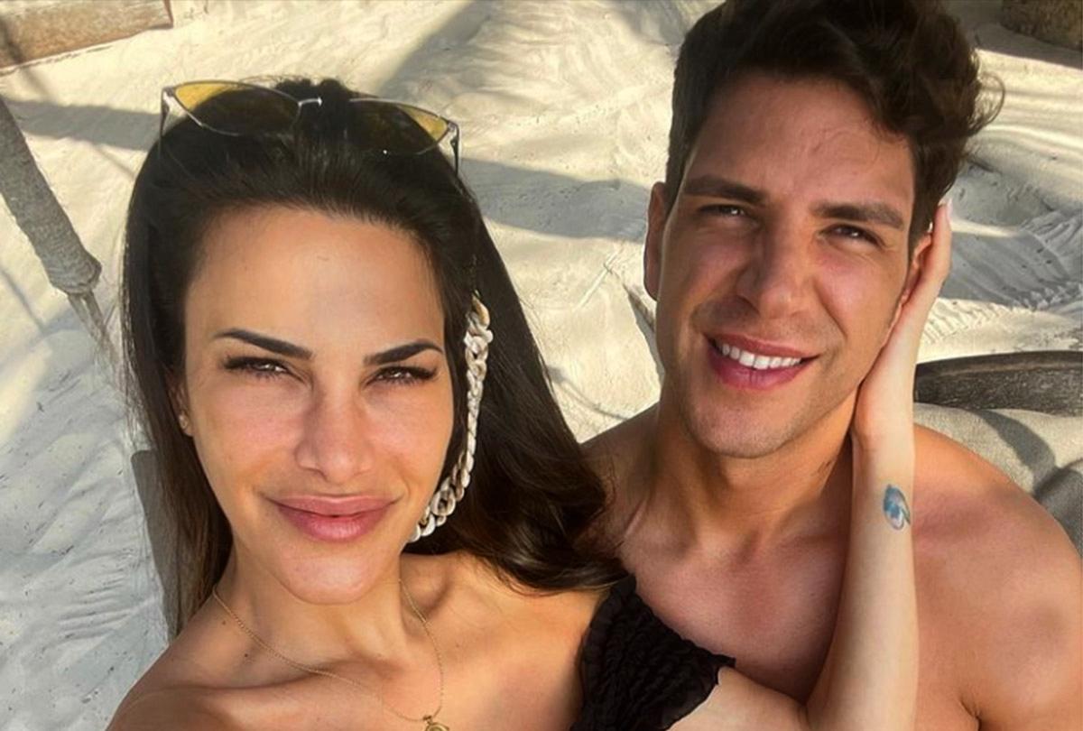Carla Barber i Diego Matamoros, en una foto de les vacances - Instagram