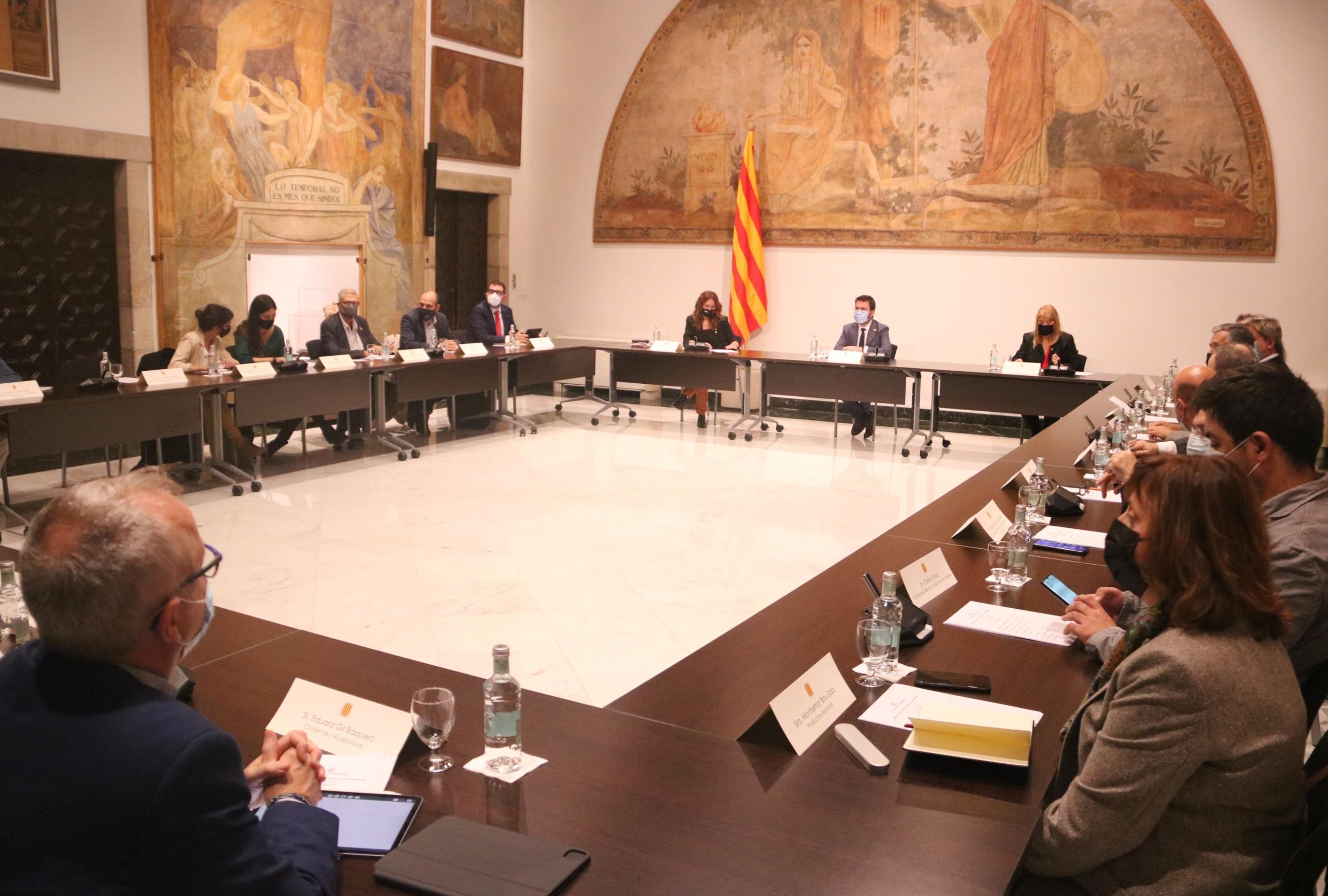 Reunió entre el Govern i les entitats culturals i de l'audiovisual | Òmnium Cultural