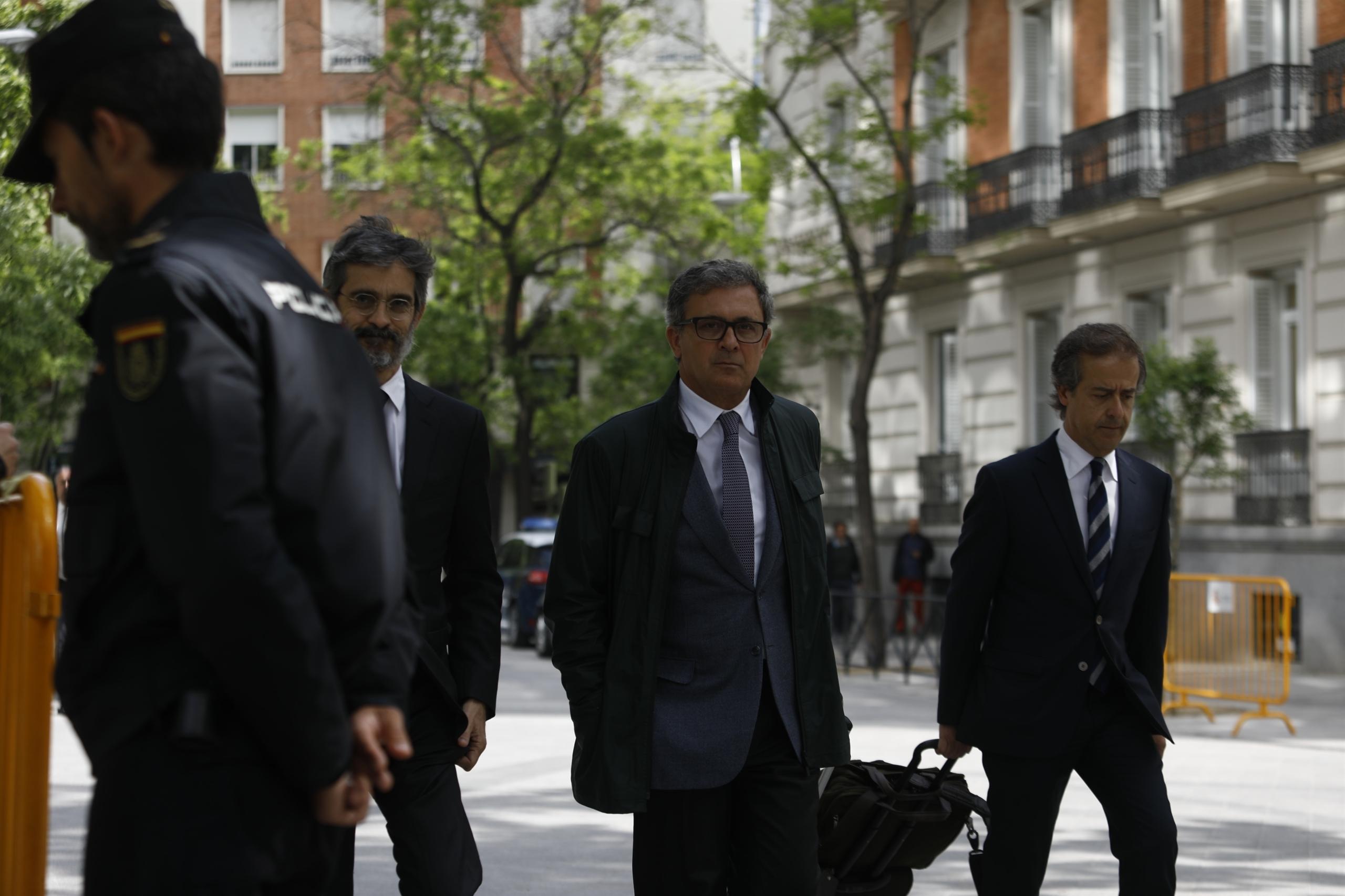 Jordi Pujol Ferrusola, acompanyat dels seus advocats Cristóbal Martell i Albert Carrillo a l'Audiència Nacional/EP