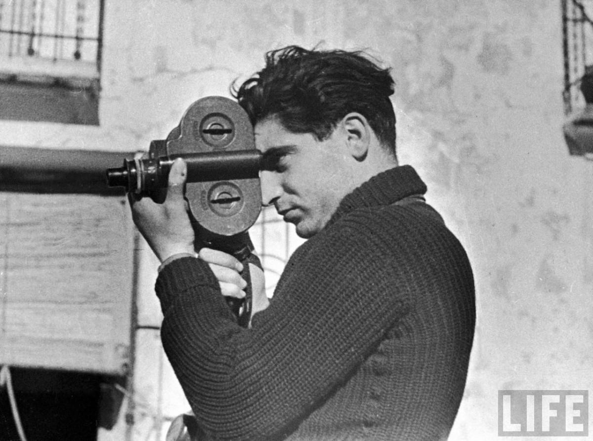 Robert Capa during the Spanish civil war, May 1937. Photo by Gerda Taro.