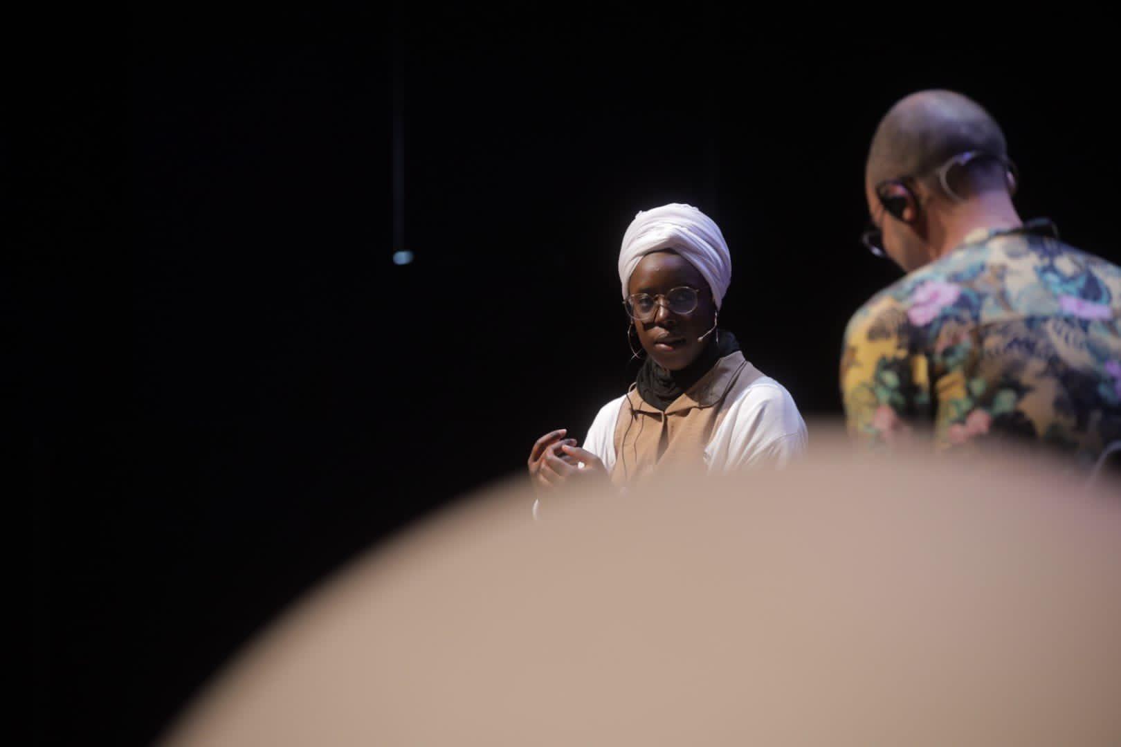 Fatoumata Kebé i Albert Forns a Kosmopolis