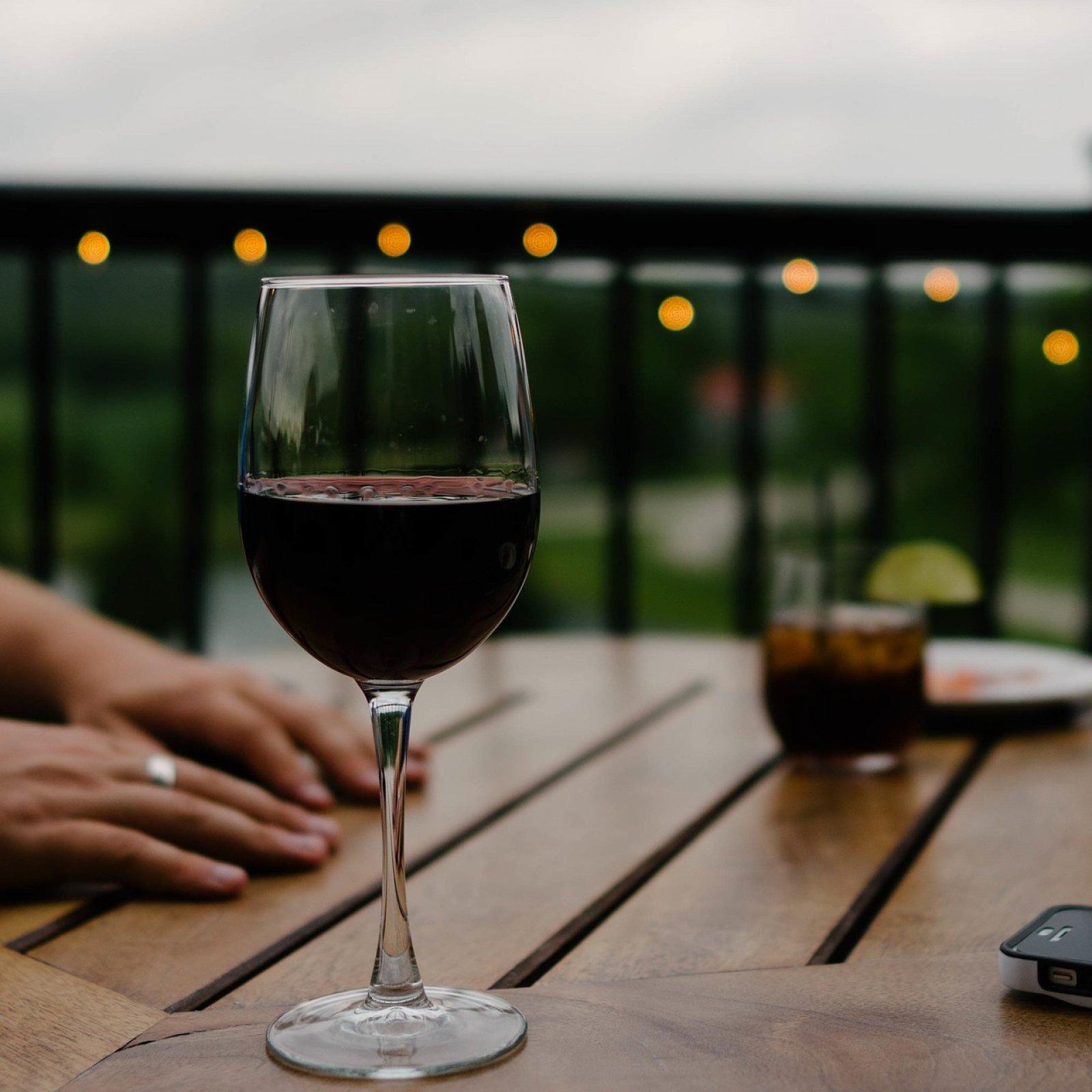 Vinuba permet descobrir cada mes vins de tot l'Estat i ajudar els cellers que els produeixen | Phxere