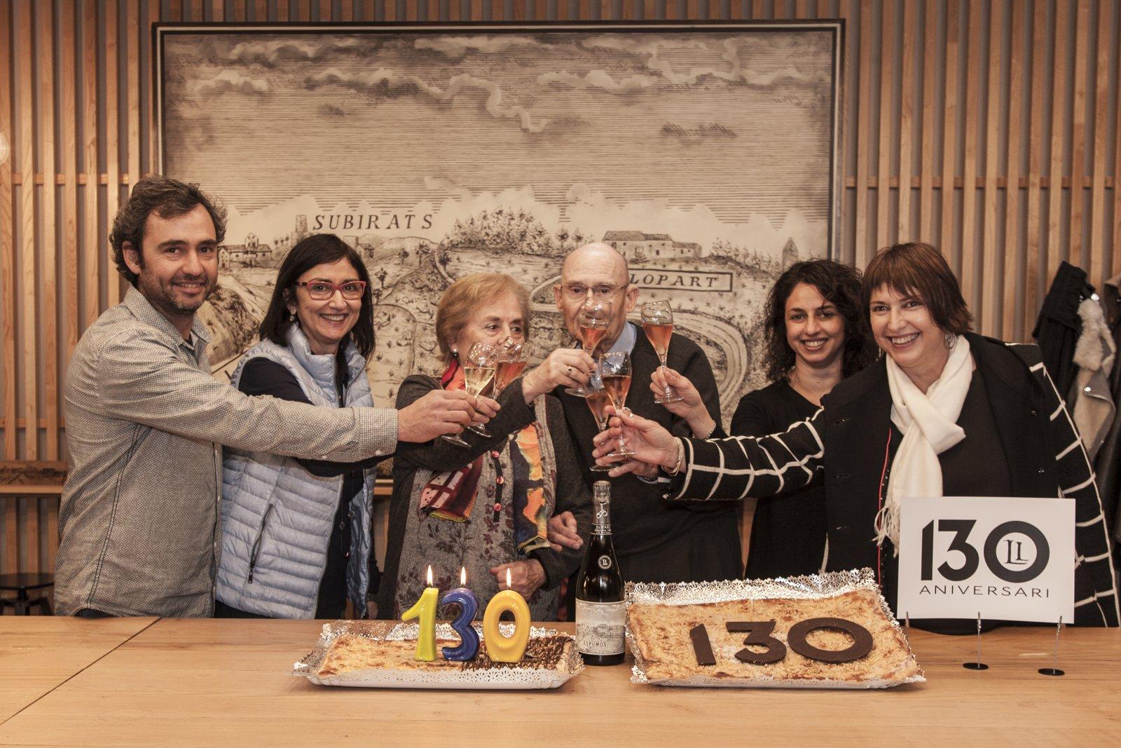 La família LLopart celebrant el primer dels actes commemoratius dels seus 130 anys d'història