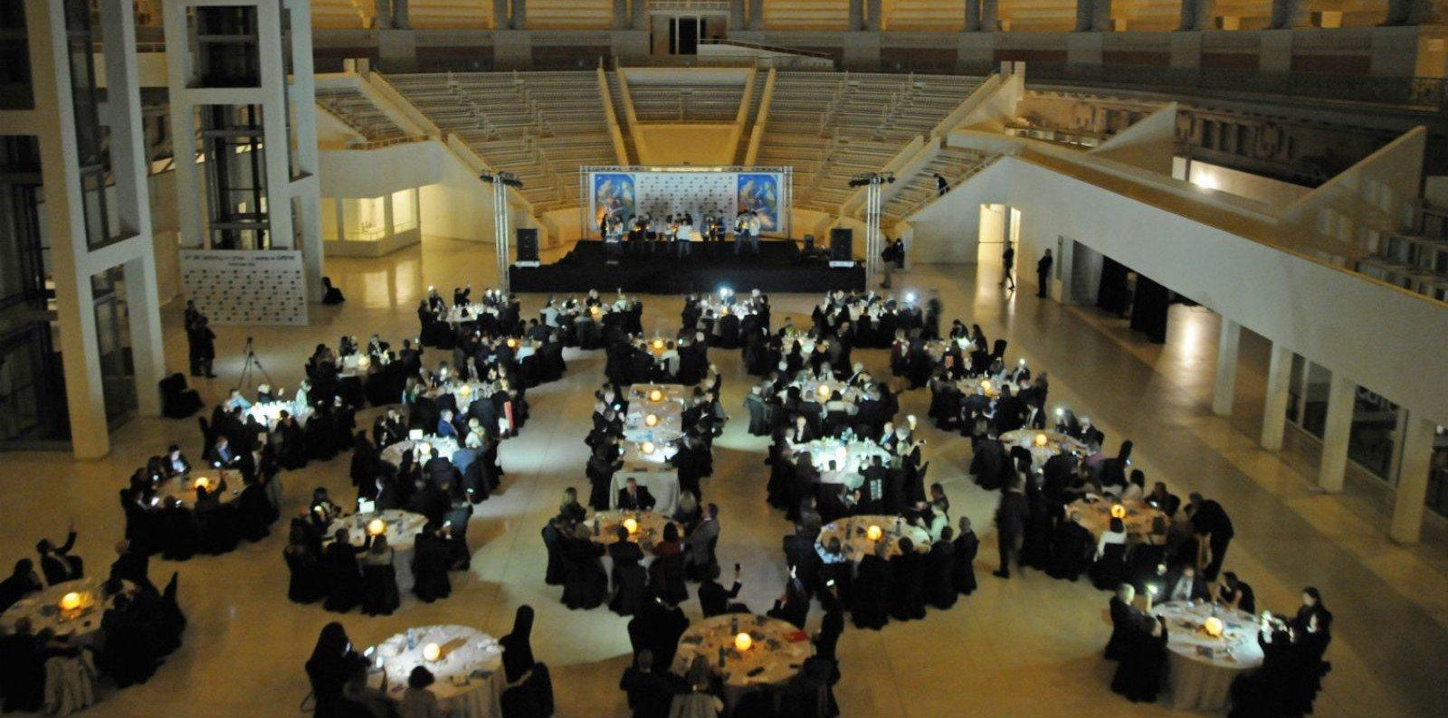 La sala del MNAC ha acollit un any més aquest acte solidari de la Confraria del Cava