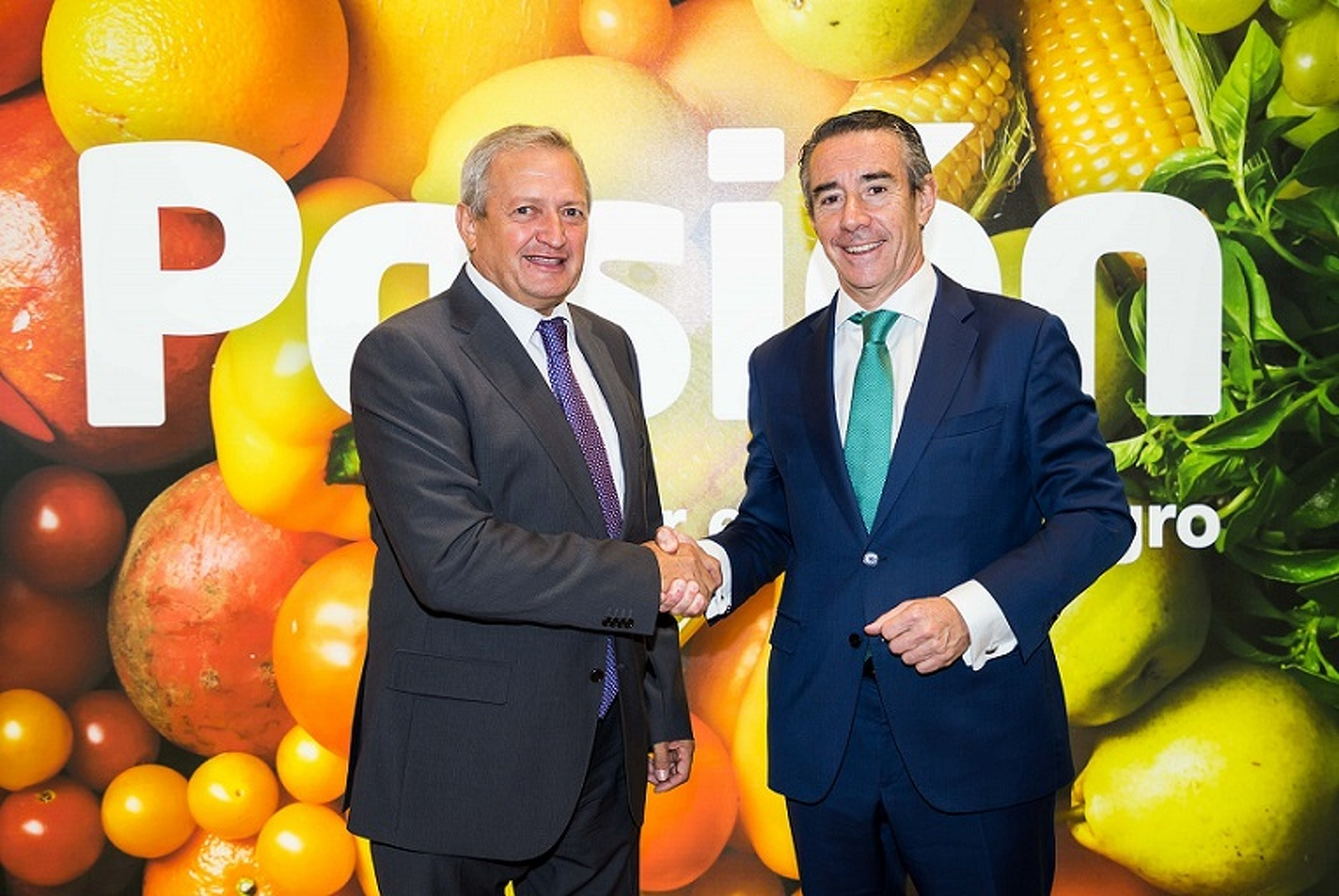 Ángel Villafranca, presidente de l'OIVE i  Juan Antonio Alcaraz, director general de CaixaBank