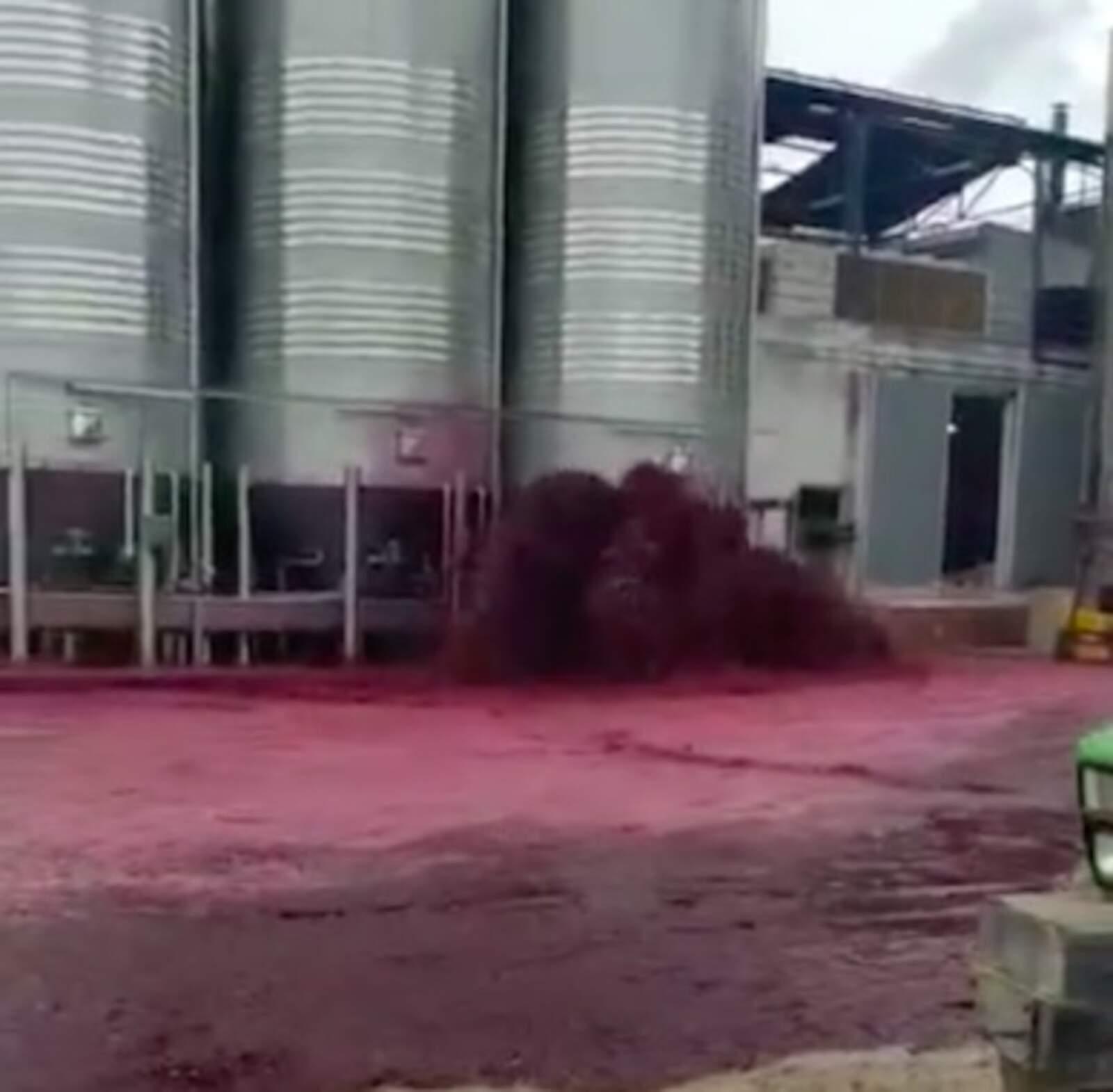 Es vessen 50.000 litres de vi d'un dipòsit d'una cooperativa d'Albacete