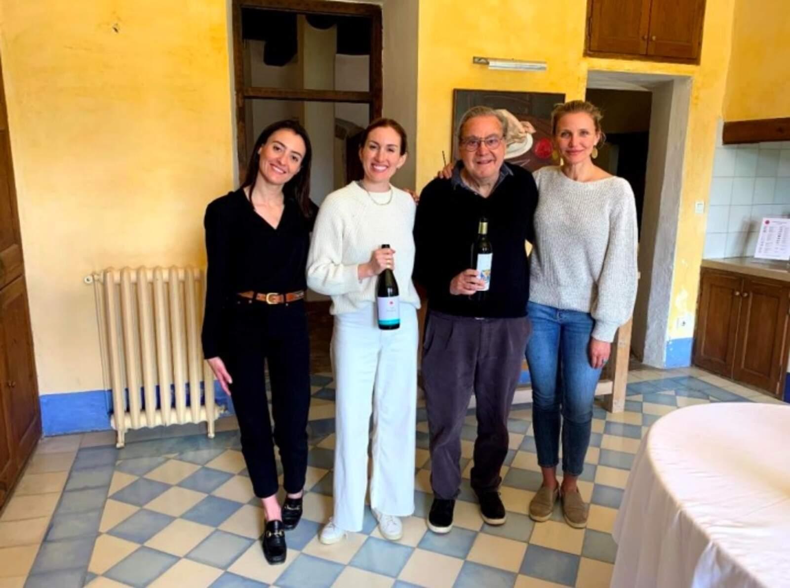 Alexandra Manovel, responsable d'exportació del celler, Katherine Power, Carlos Esteva i Cameron Diaz a Can Ràfols dels Caus