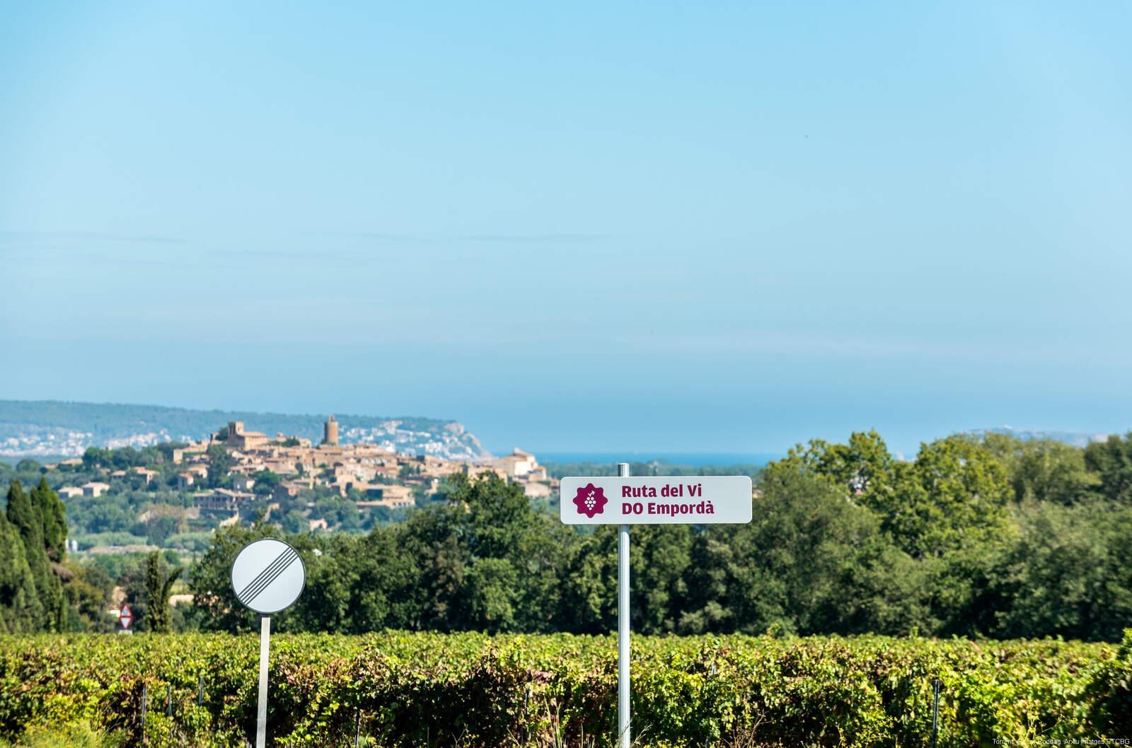 El pas de la Ruta del Vi de la D.O. Empordà pel municipi de Torrent