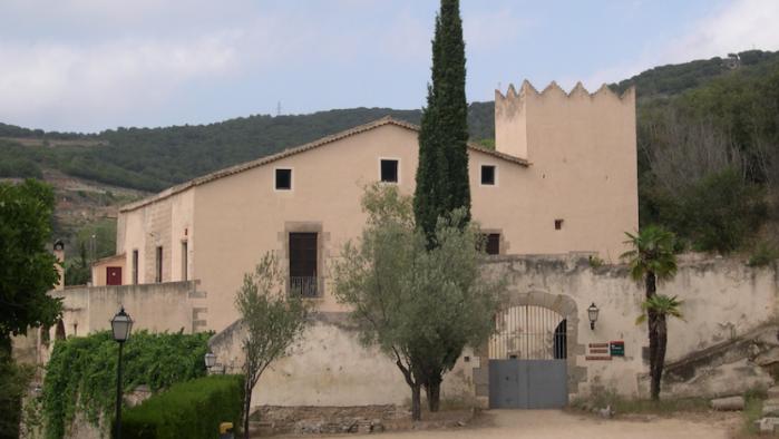 Aragonès i Sànchez segellen les negociacions per formar Govern amb vi DO Alella |Papers de Vi