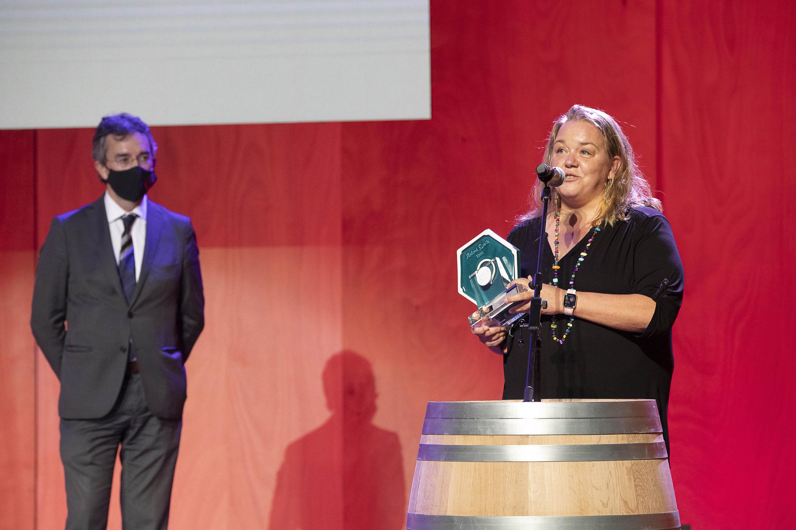 Premis Vinari 2021, la Gala: Premi Turisme de Barcelona, millor iniciativa enoturística per la Carretera del Vi | Foto: Jordi Play