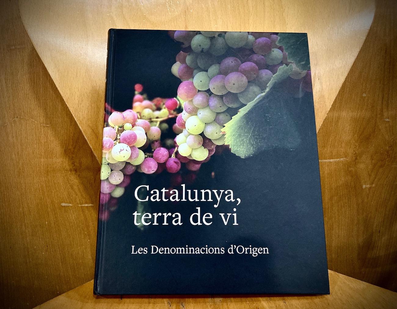 Portada del llibre 'Catalunya, terra de vi'   E.V.