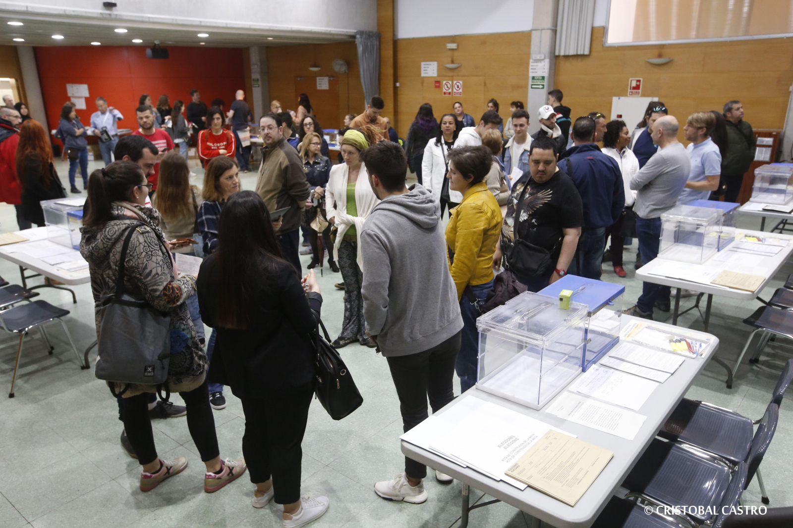Jornada electoral 26-M al matí a Terrassa