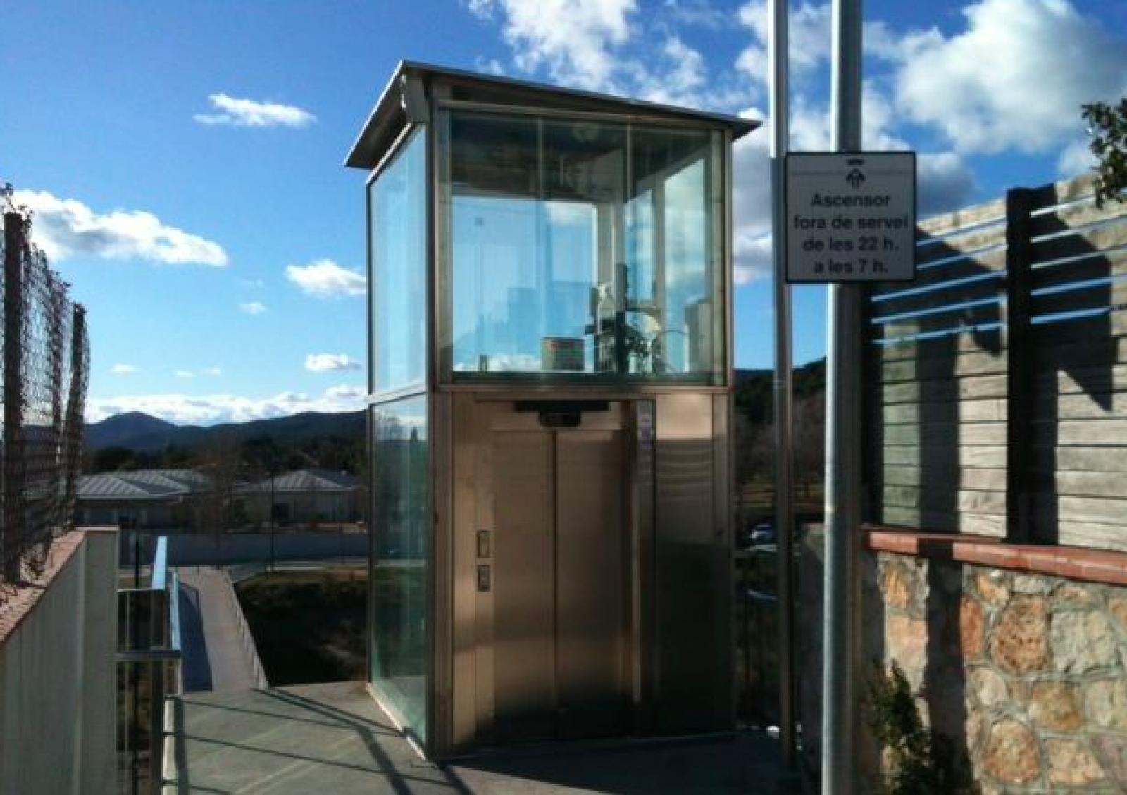 ascensor de la passera de Matadepera