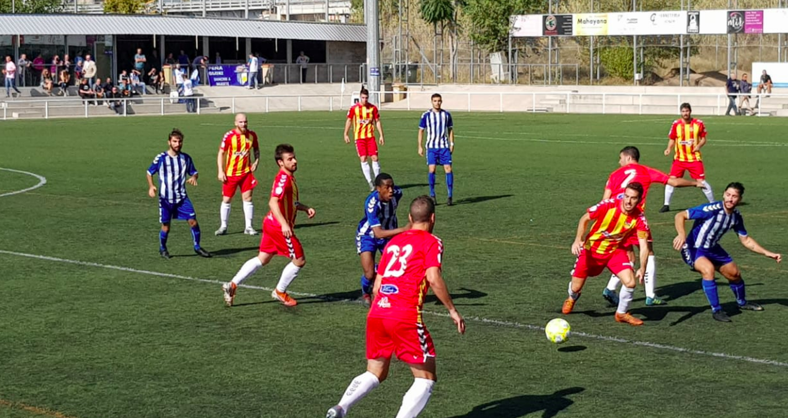 Una jugada entre el CP San Cristóbal i el Vilafranca