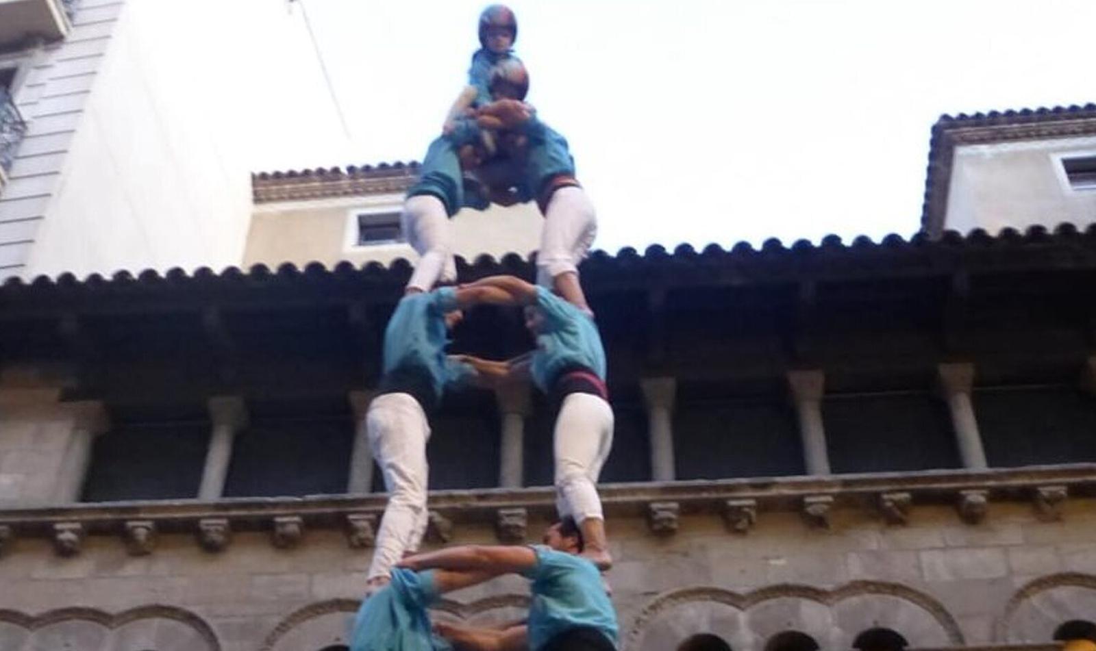 Els Castellers de Terrassa descarreguen el dos de set a Lleida