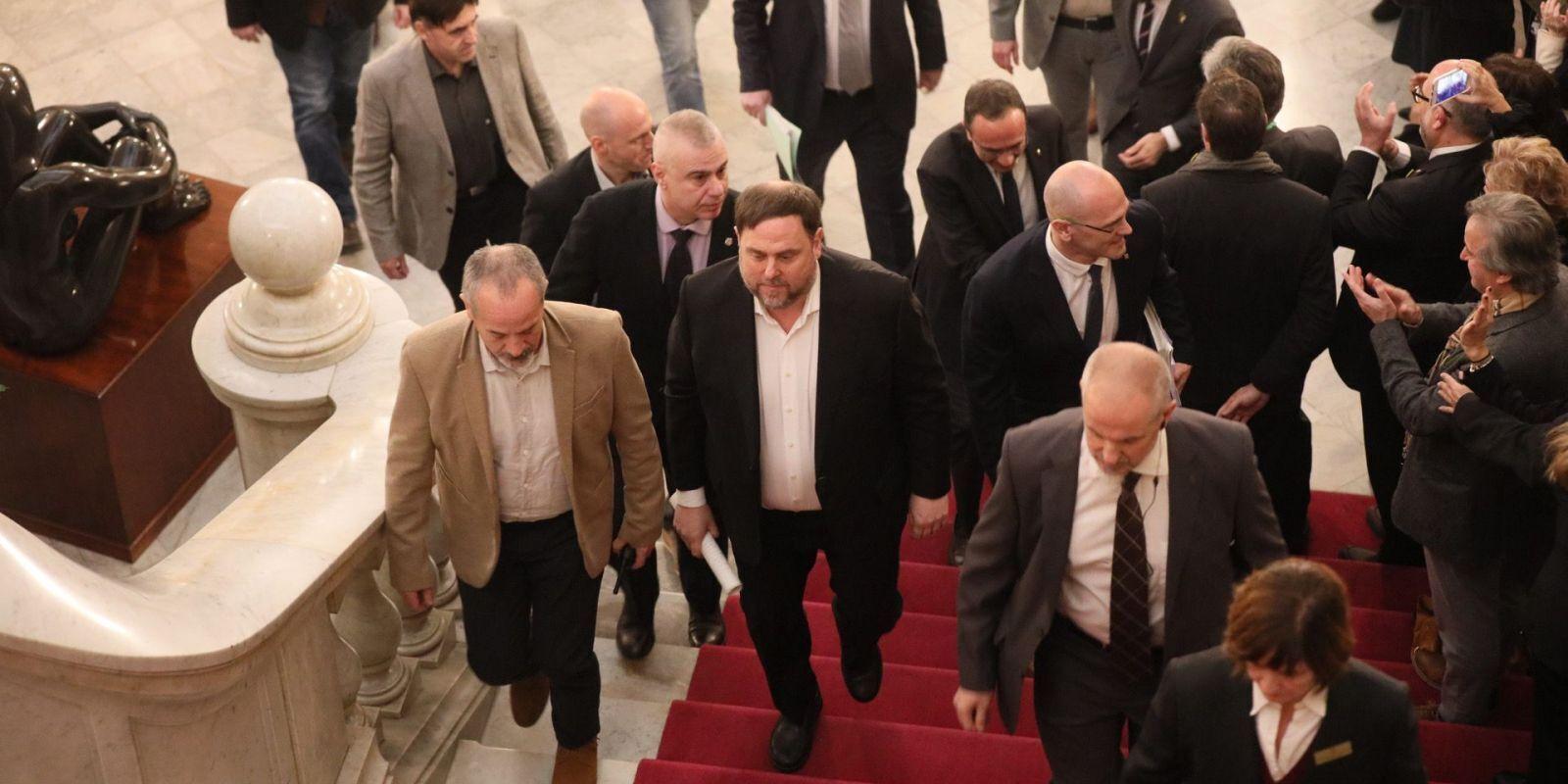 Els presos polítics arriben al Parlament