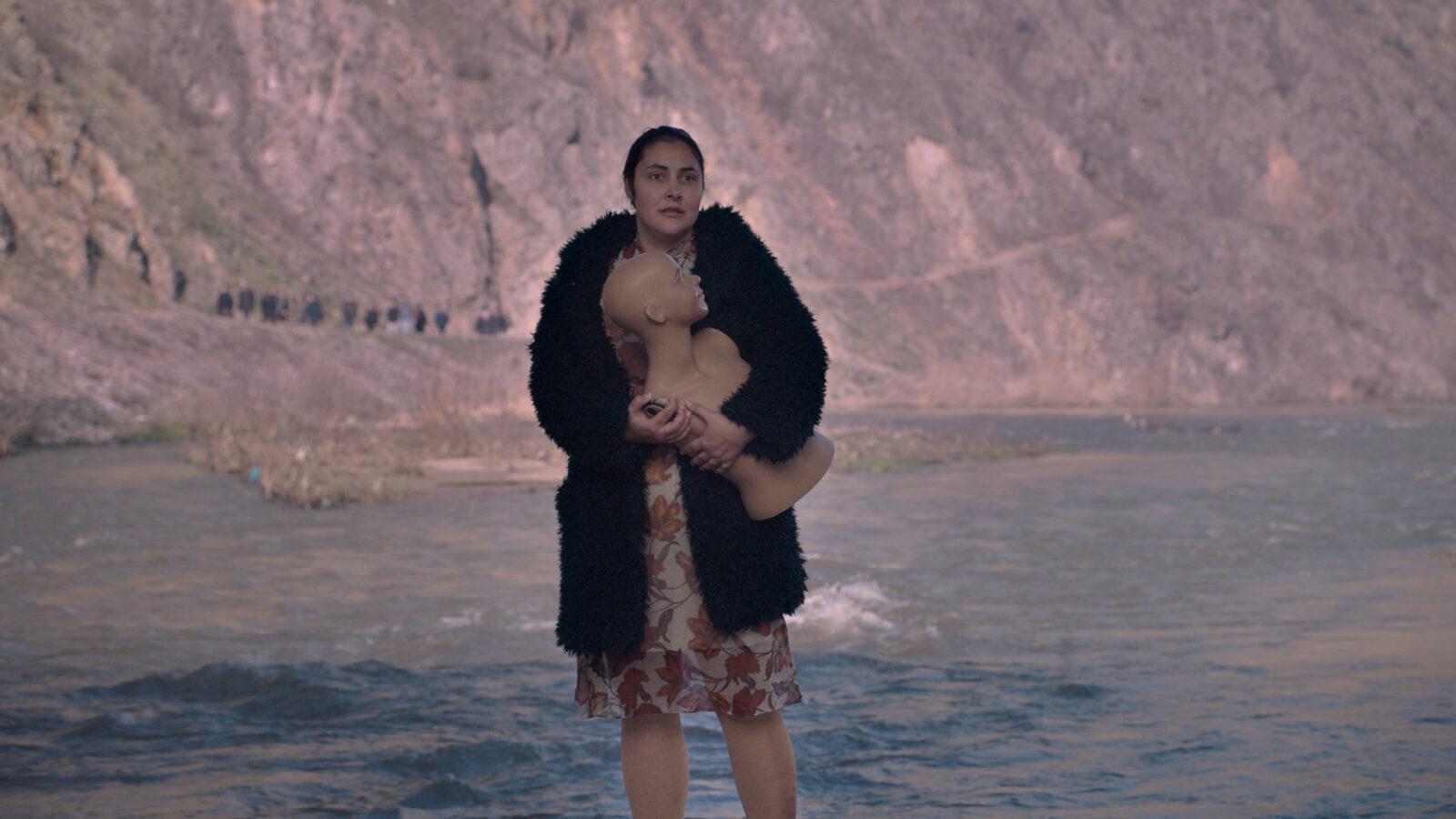 Fotograma de la pel·lícula Gospod postoi, imeto i' e Petrunij