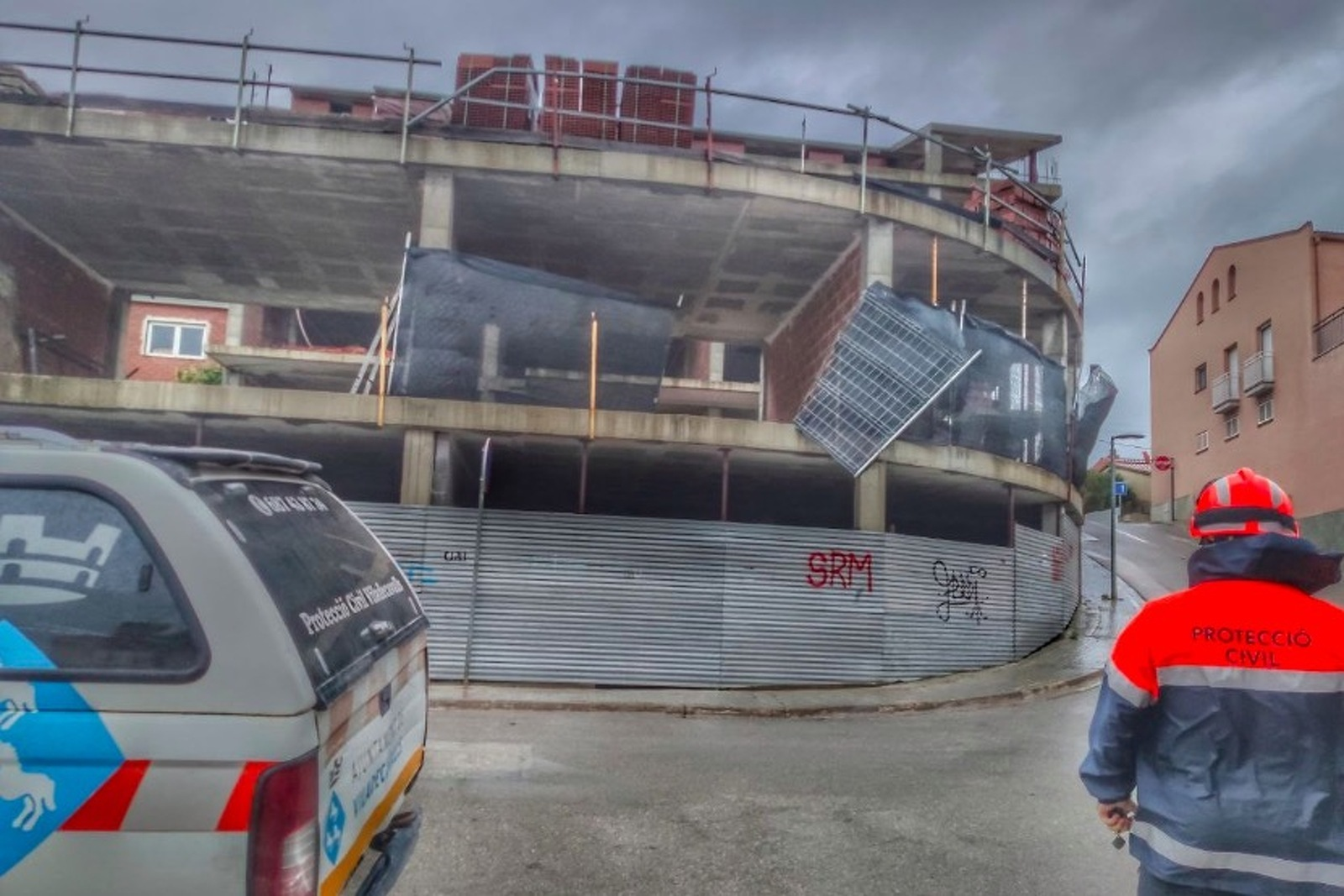 Una de les intervencions de Protecció Civil durant l'episodi de vent