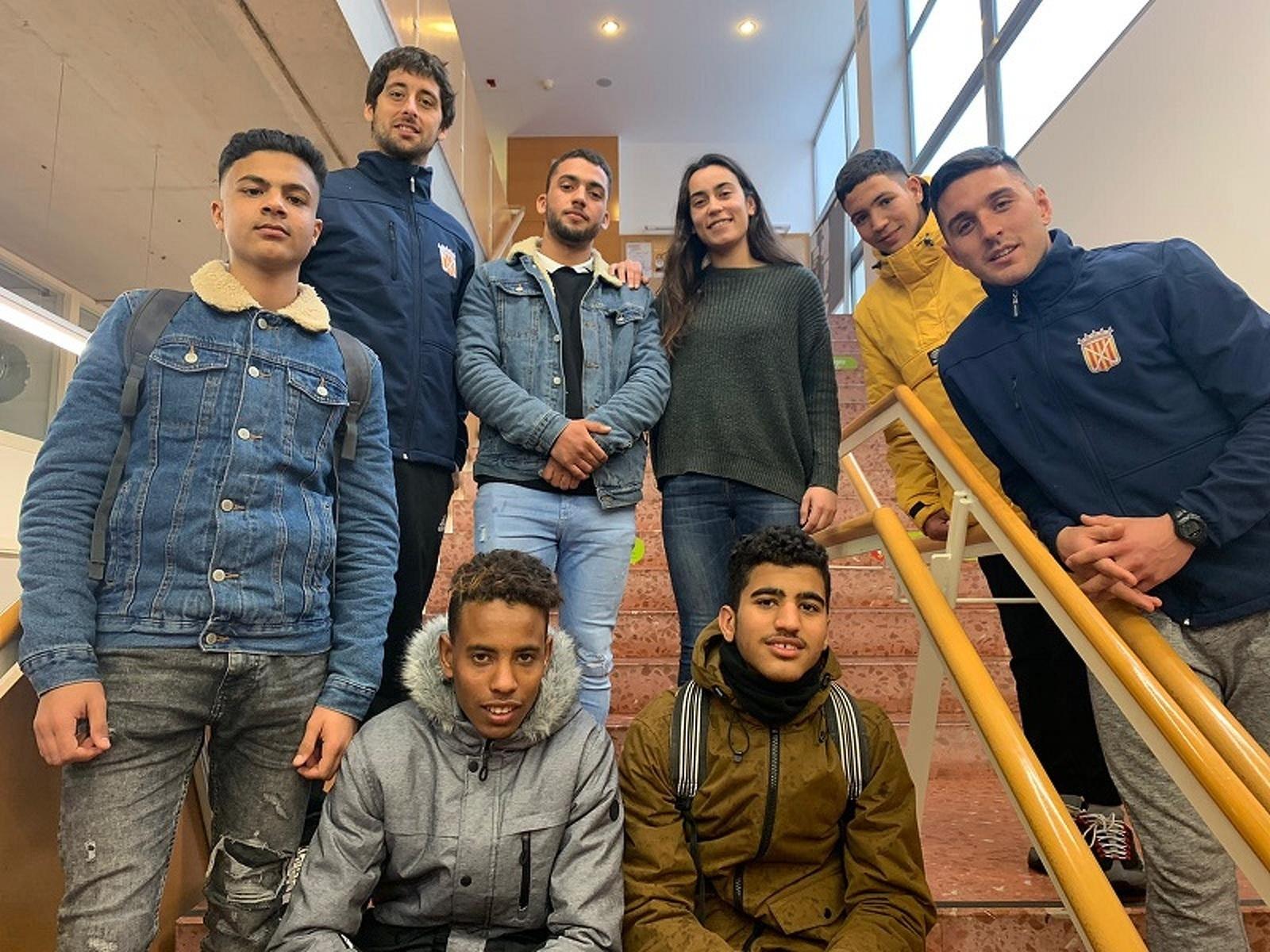 Els vuit joves que han realitzat la formació del programa INSERsport