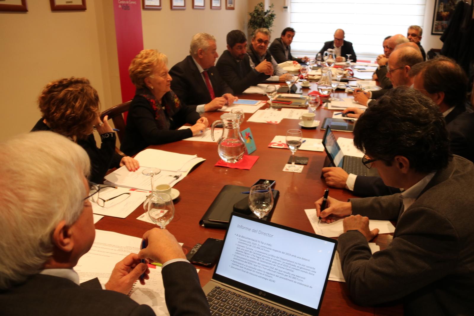 Reunió del comitè executiu de les cambres de comerç catalanes i del consell de presidents, reunits per primer cop a Valls