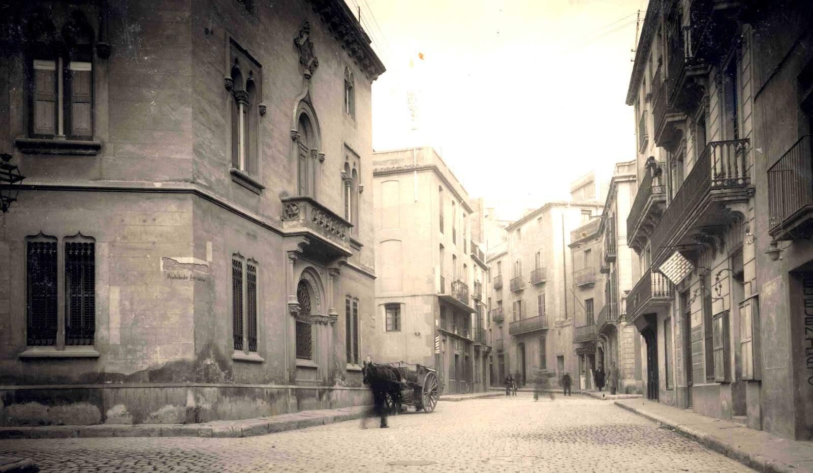 La Rutlla amb Portal Nou. A l'esquerra, l'antiga seu de Caixa de Terrassa, l'any 1935
