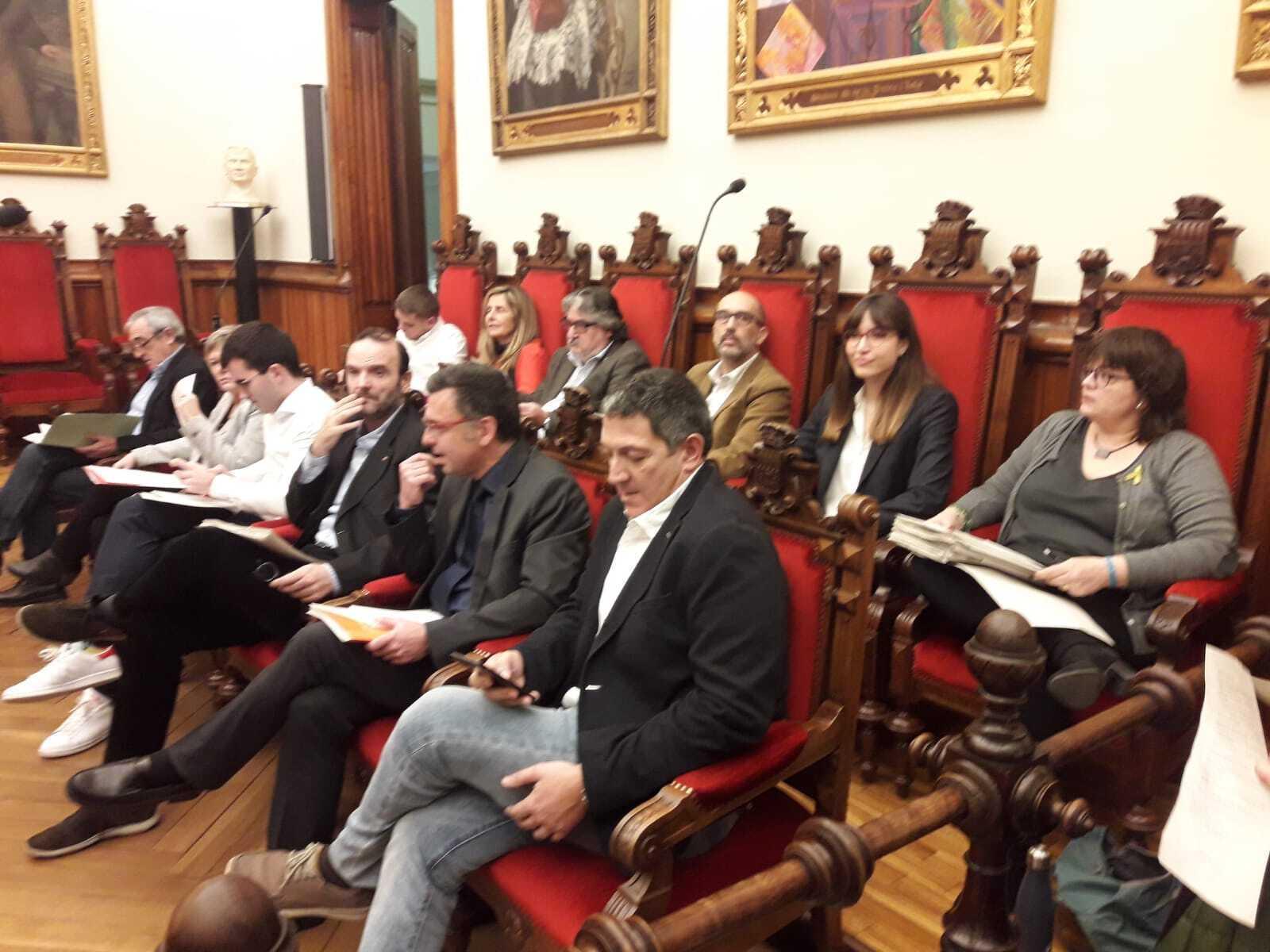 Junts ha defensat la moció sobre eliminar el cablejat elèctric
