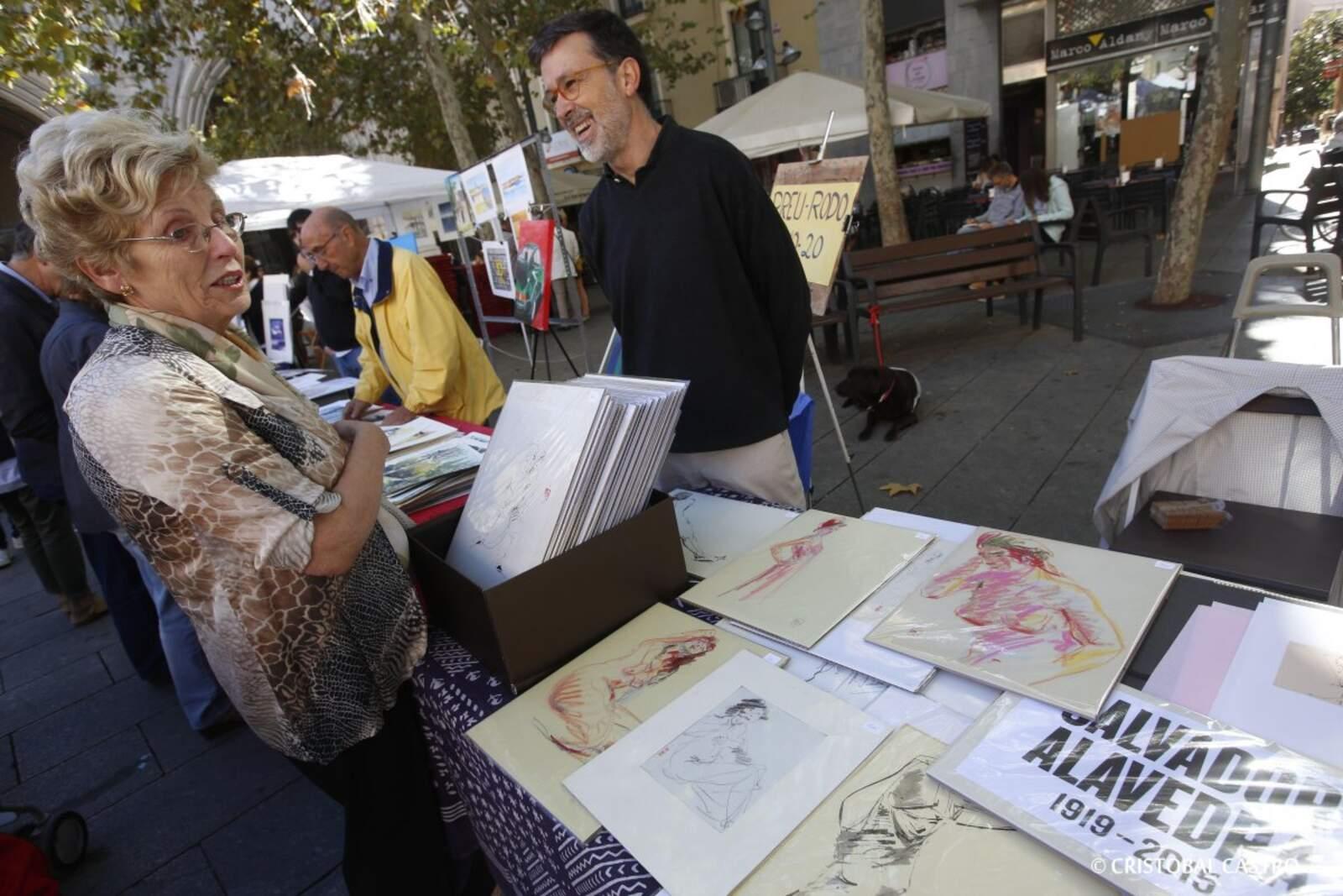 Fira del Dibuix a la plaça Vella