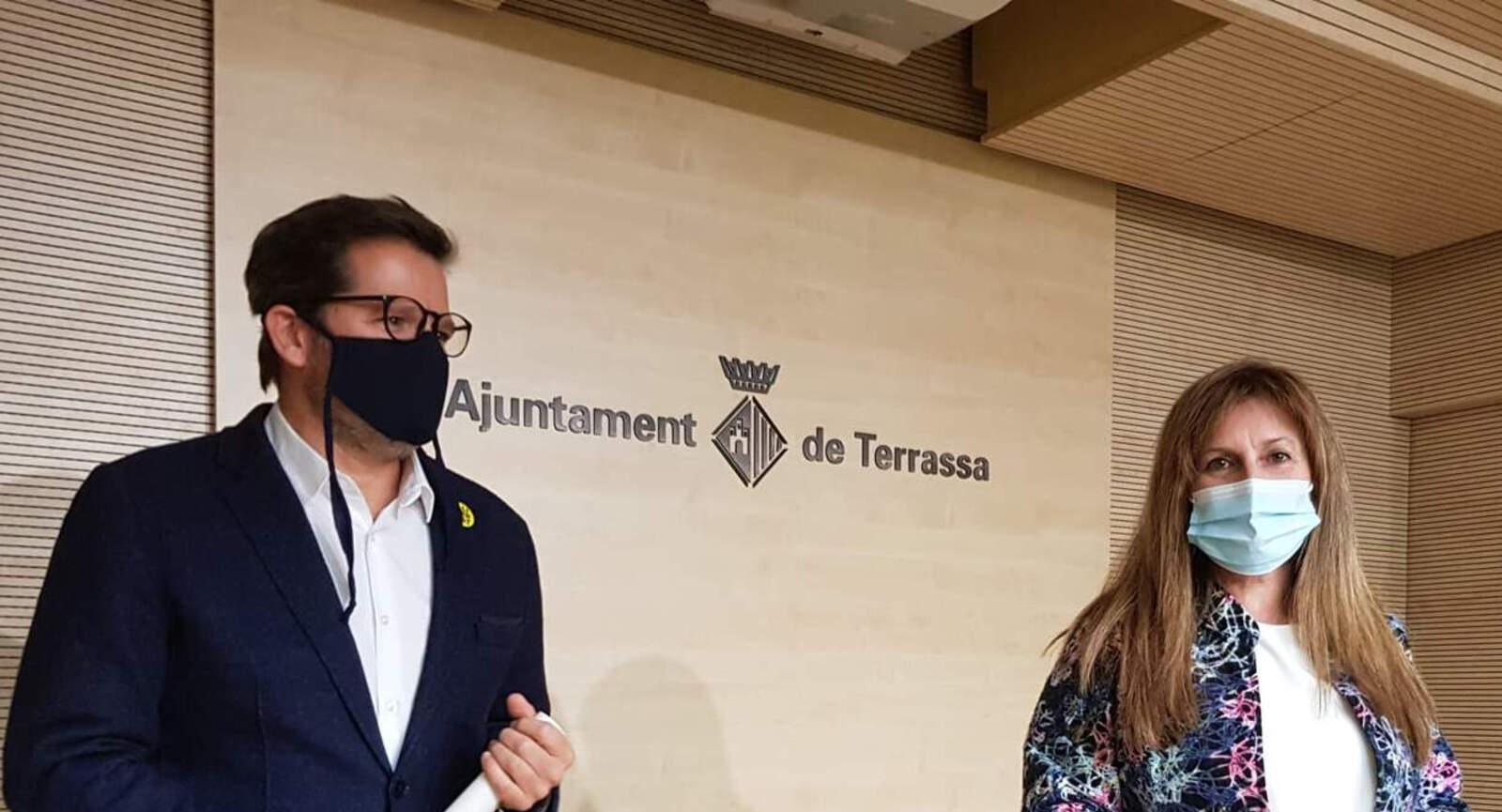 La portaveu del govern Núria Marín amb el tinent d'alcalde Isaac Albert