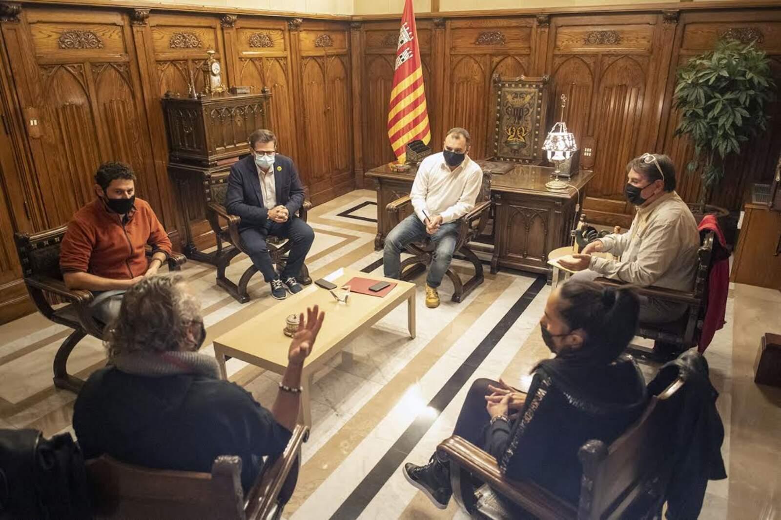 Reunió de representants de sales d'oci nocturn a la ciutat amb l'alcalde Jordi Ballart