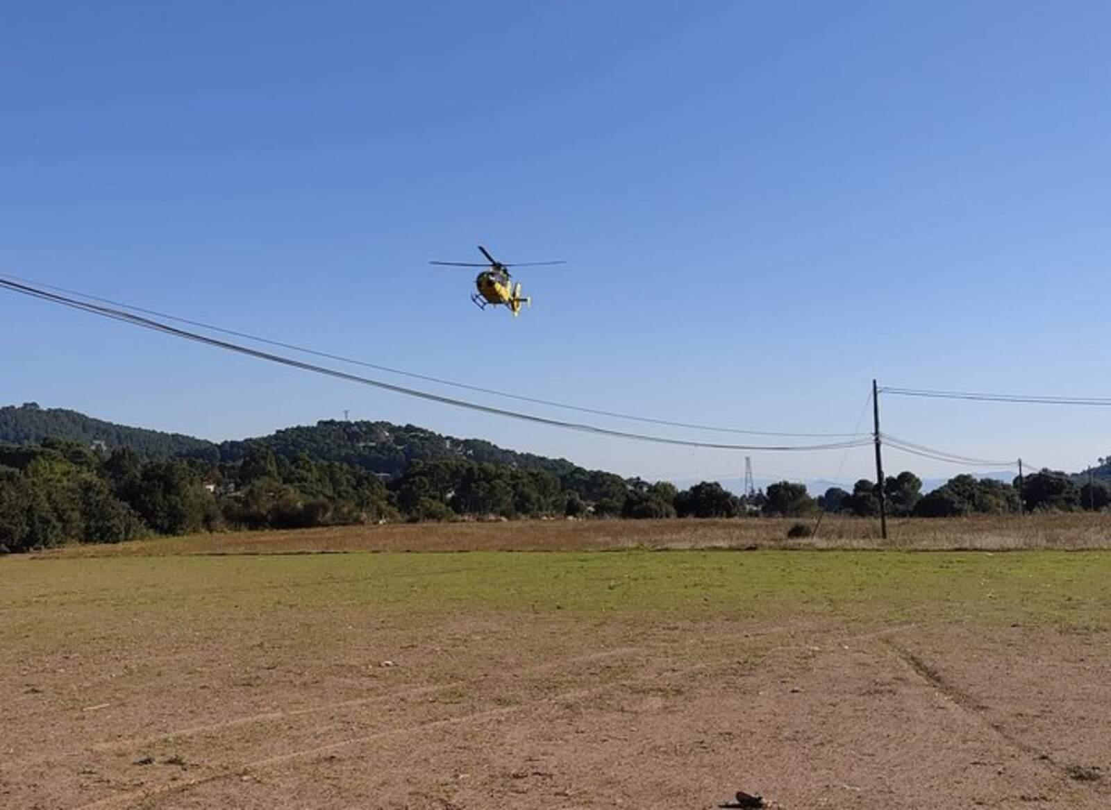 L'helicòpter dels GRAE al camp de Les Pedritxes
