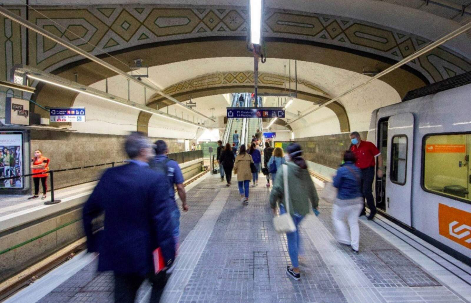 Ferrocarrils de la Generalitat de Catalunya (FGC) ha finalitzat les obres a l'estació de Pl. Catalunya