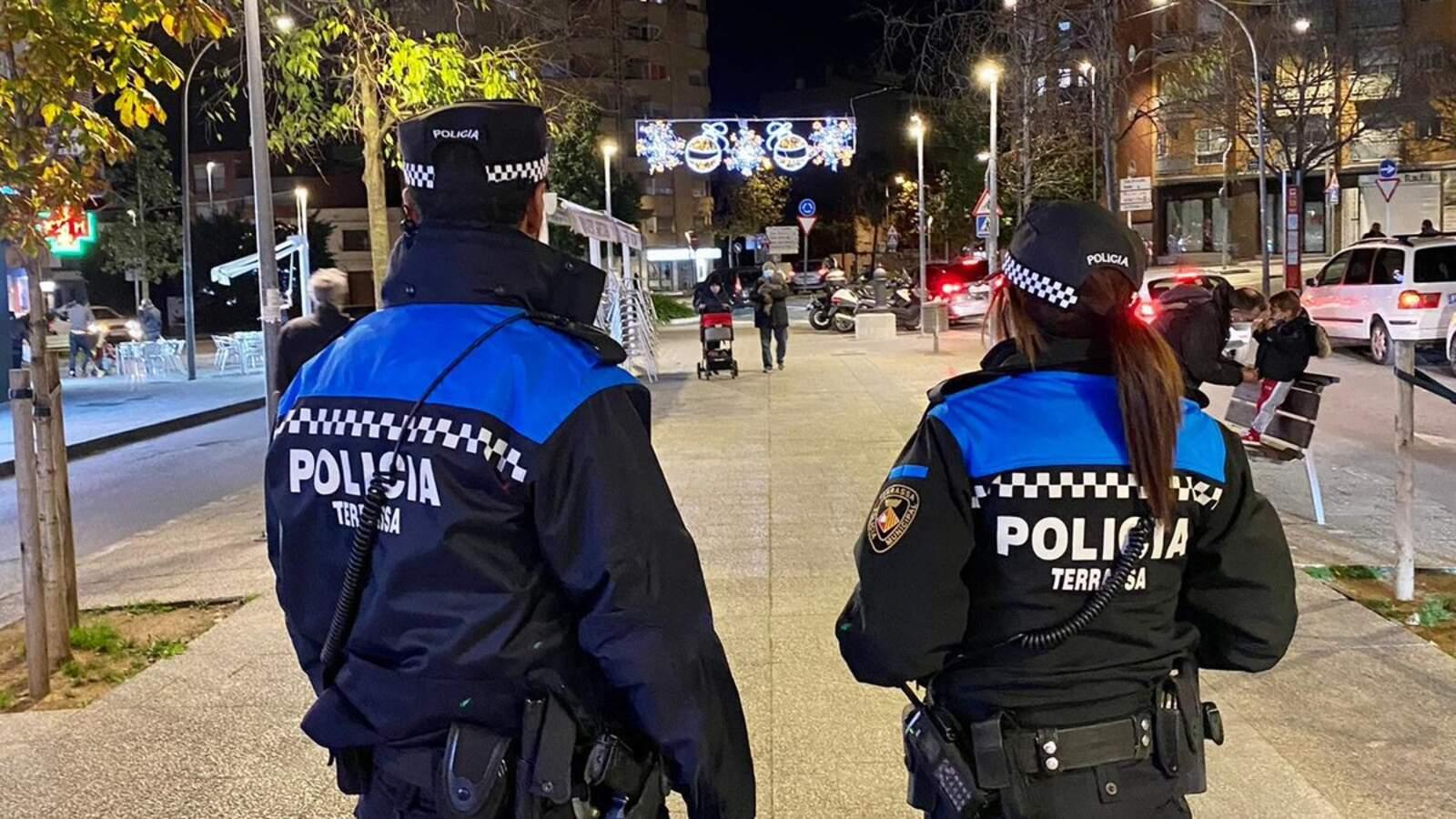 Una patrulla de la Policia Municipal de Terrassa